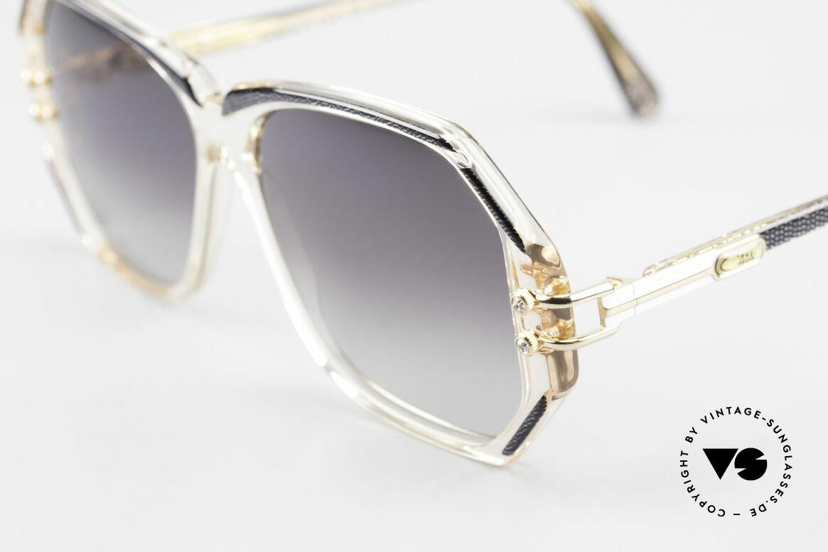 Cazal 169 Vintage Damen Sonnenbrille, mit 4 kleinen dezenten Strass-Steinen als Zierschrauben, Passend für Damen