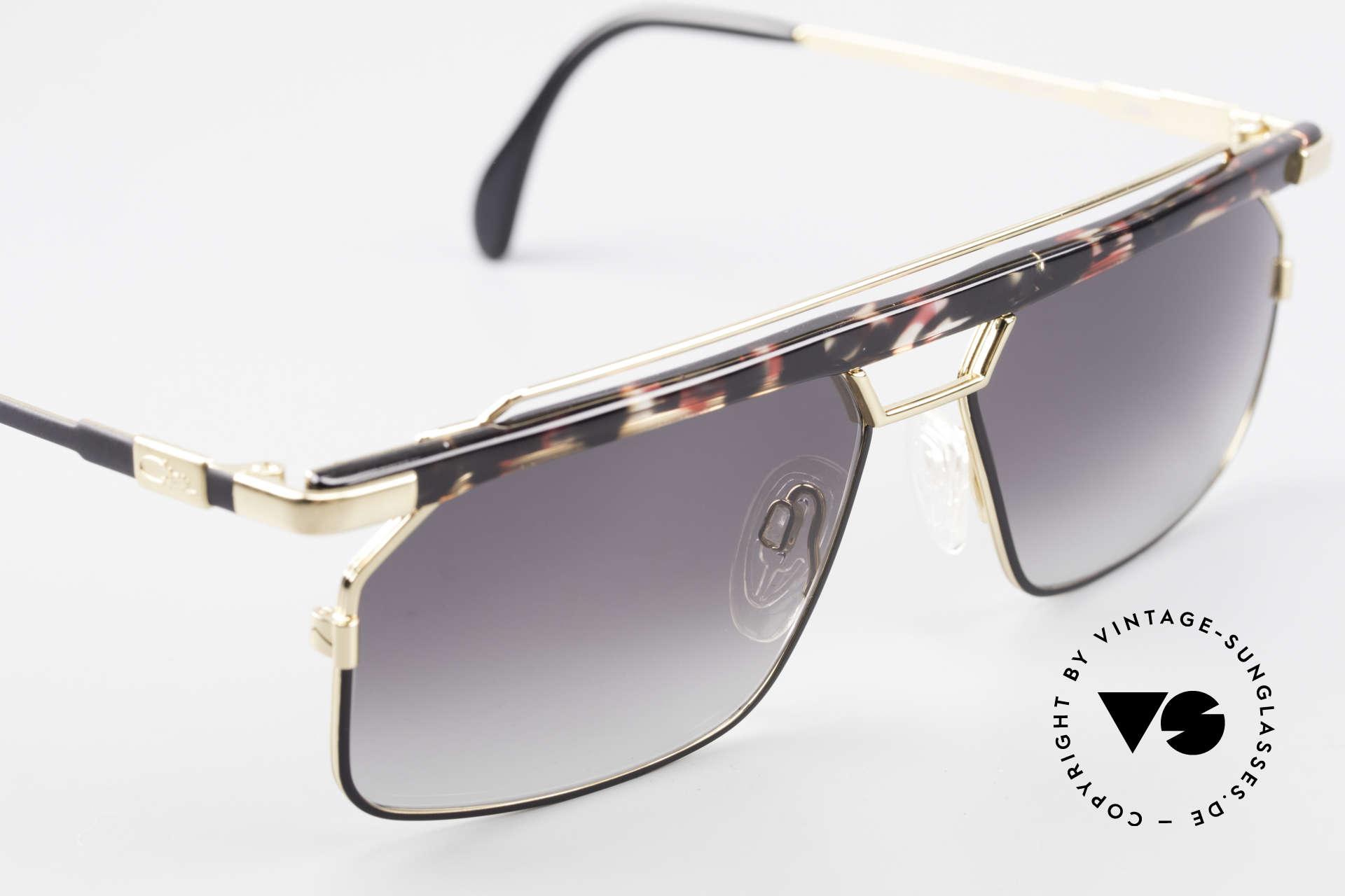 Cazal 752 Rare Vintage Sonnenbrille 90er, ein Hingucker in Kolorierung: rubin-anthrazit / gold, Passend für Herren