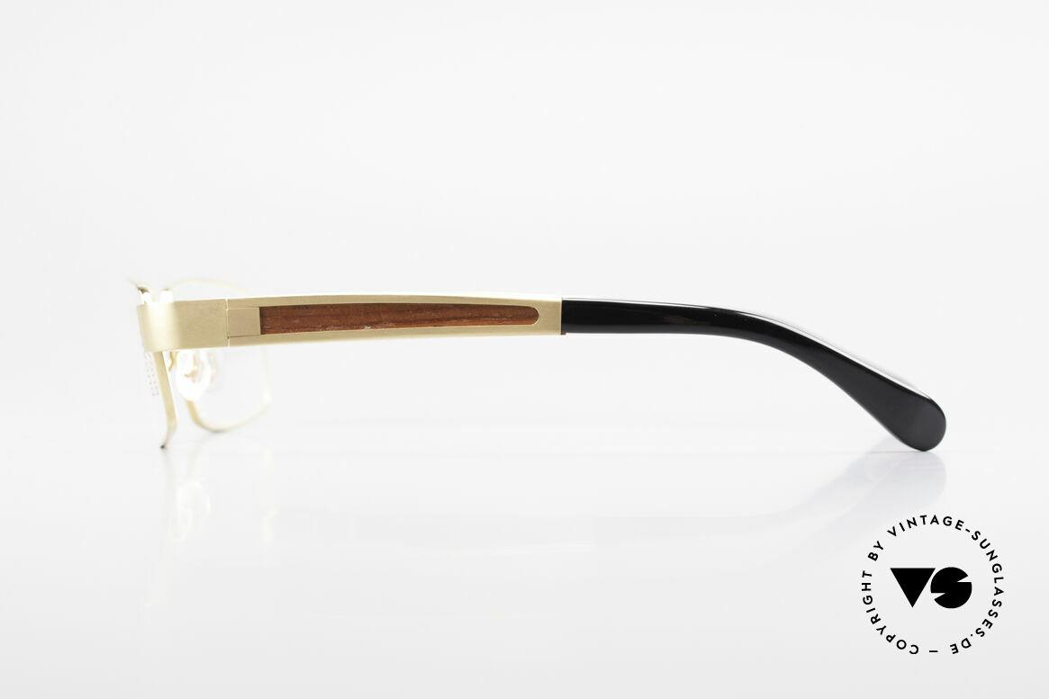Bugatti 522 Padouk Edelholz Titan Gold, flexible Federscharniere für eine optimale Passform, Passend für Herren