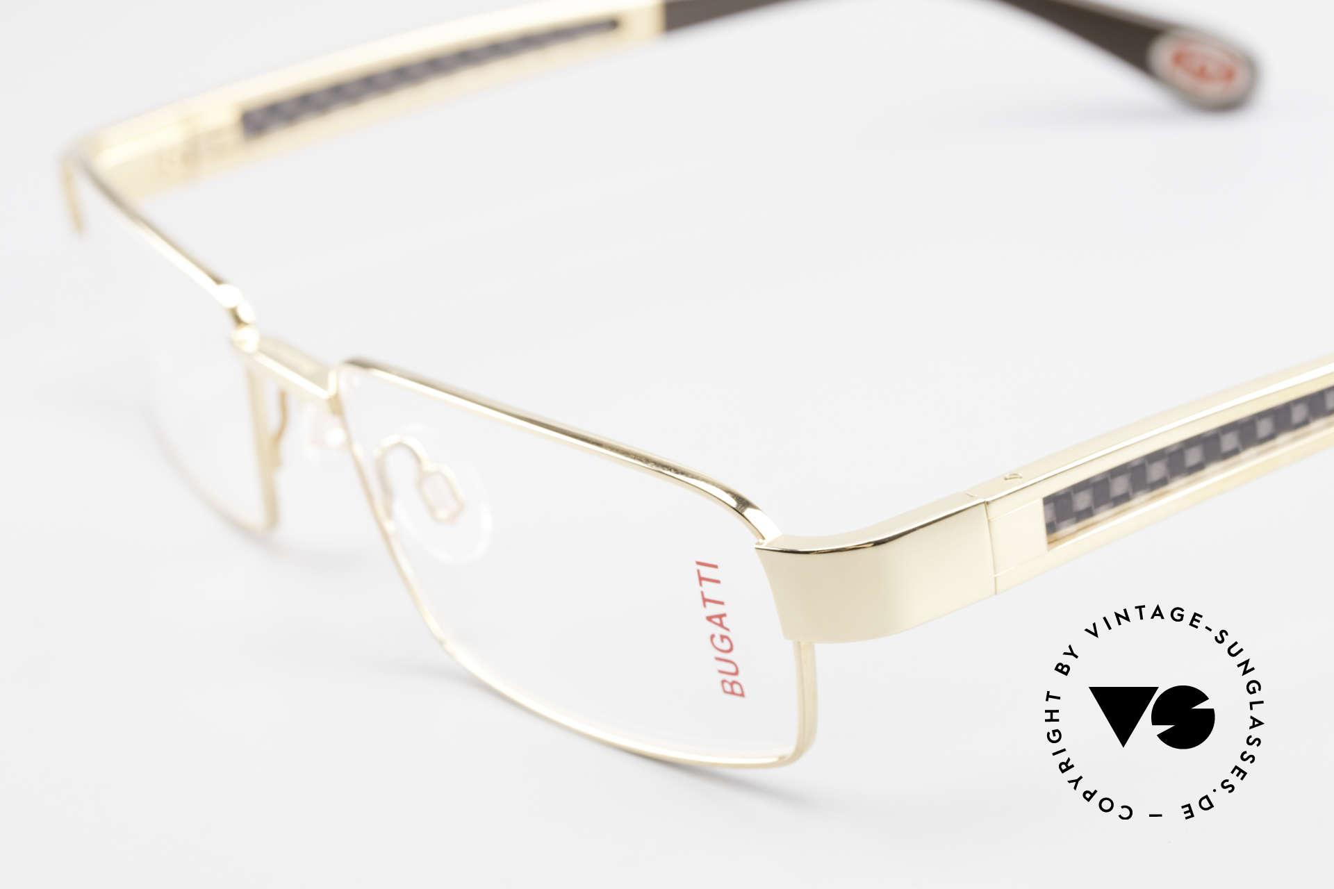 Bugatti 525 Titanium Brille Carbon Gold, flexible Federscharniere für eine optimale Passform, Passend für Herren