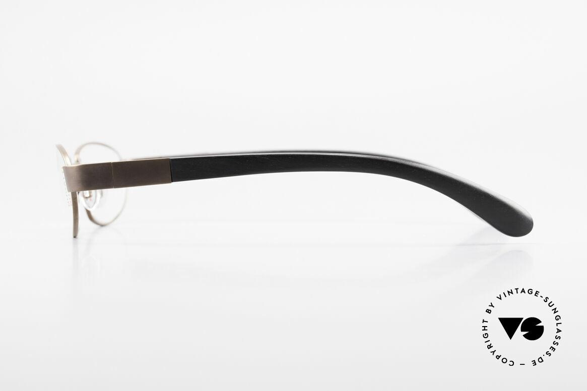 Bugatti 530 Ebenholz Titanium Fassung, flexible Federscharniere für eine optimale Passform, Passend für Herren