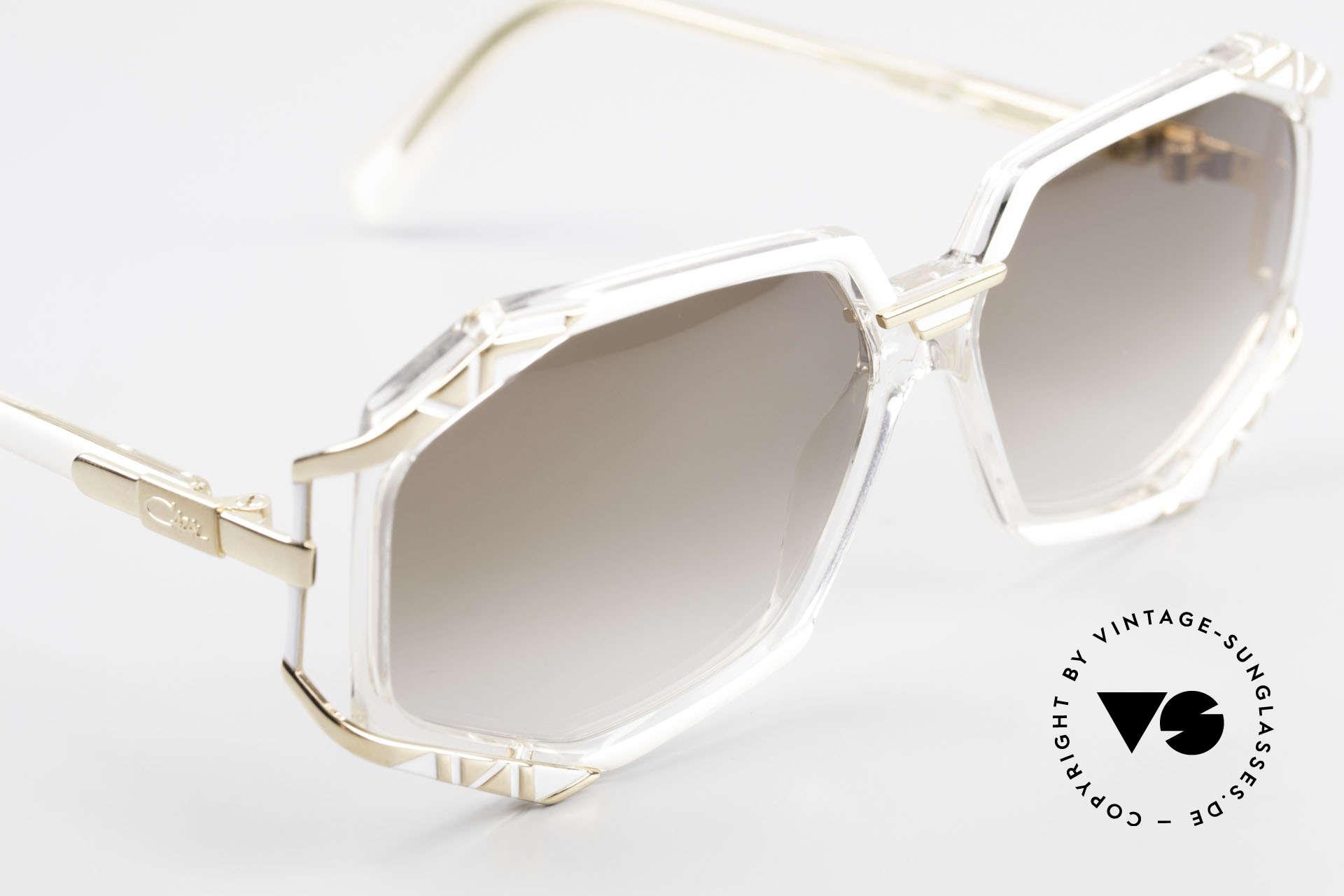 Cazal 355 Spektakuläre 90er Cazal Brille, ungetragen (wie alle unsere CAZAL vintage Brillen), Passend für Damen