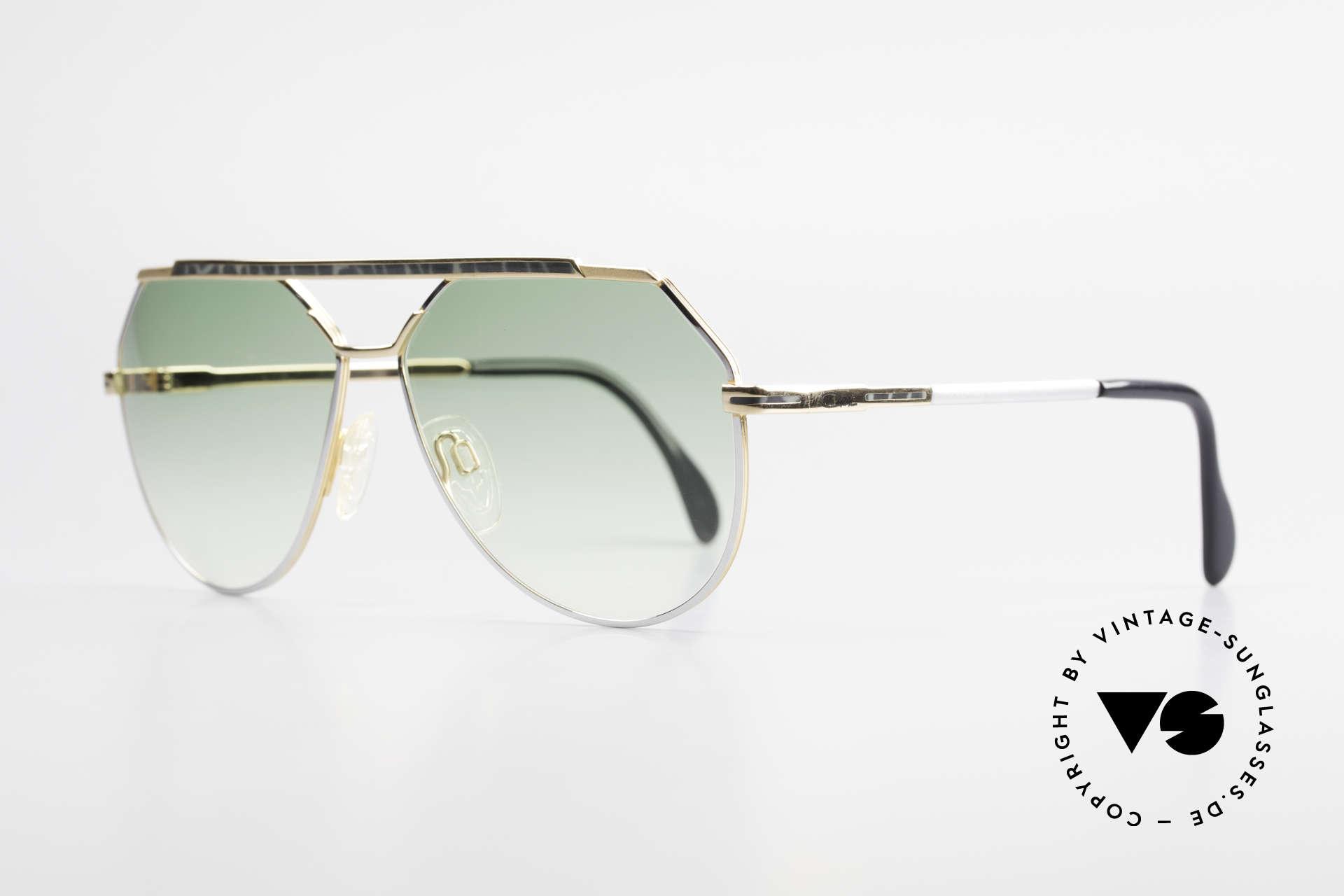 Cazal 733 Goldplattierte Sonnenbrille, beste Verarbeitungsqualität & apartes Rahmen-Dekor, Passend für Herren