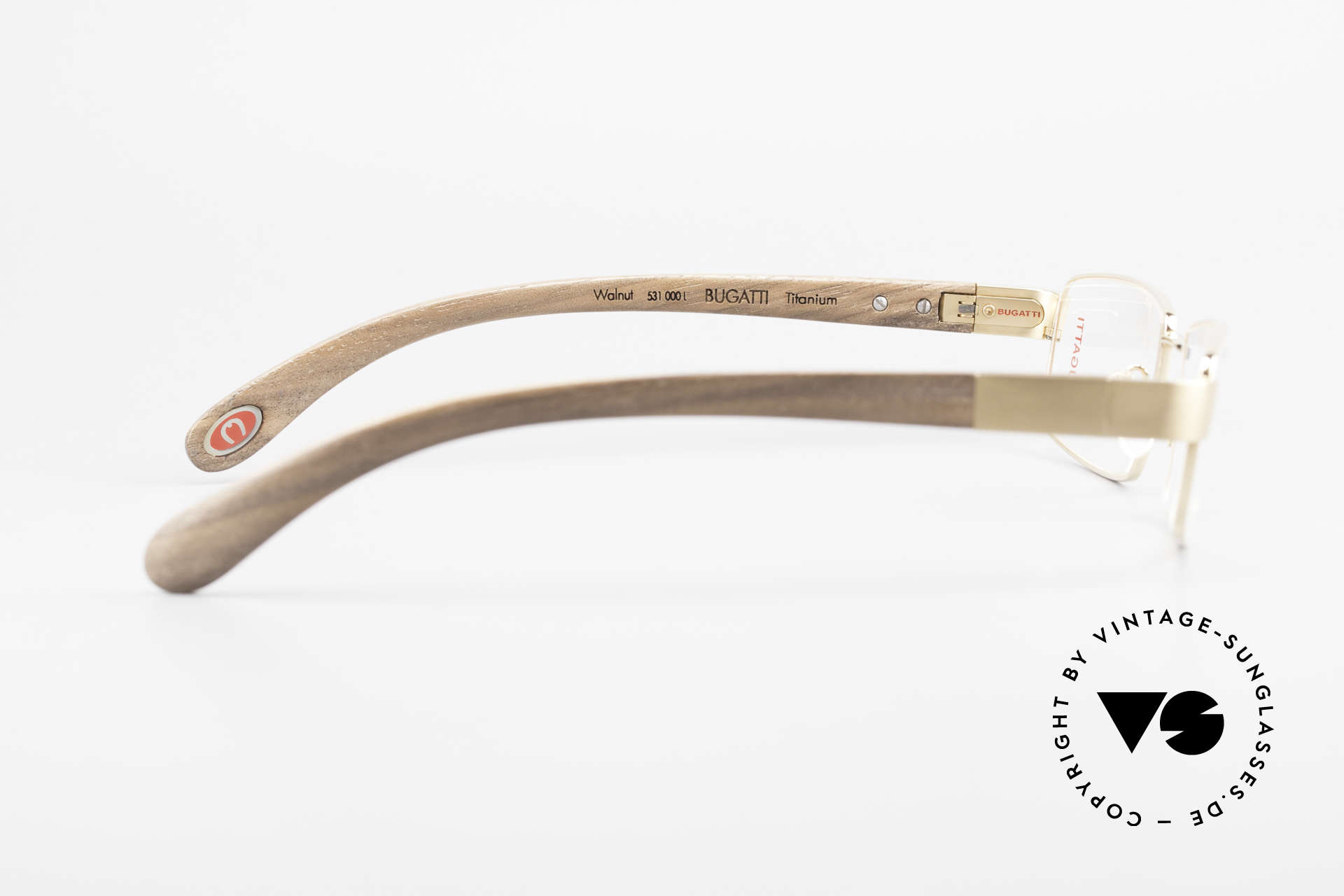 Bugatti 531 Walnussholz Titanbrille Gold, flexible Federscharniere für eine optimale Passform, Passend für Herren