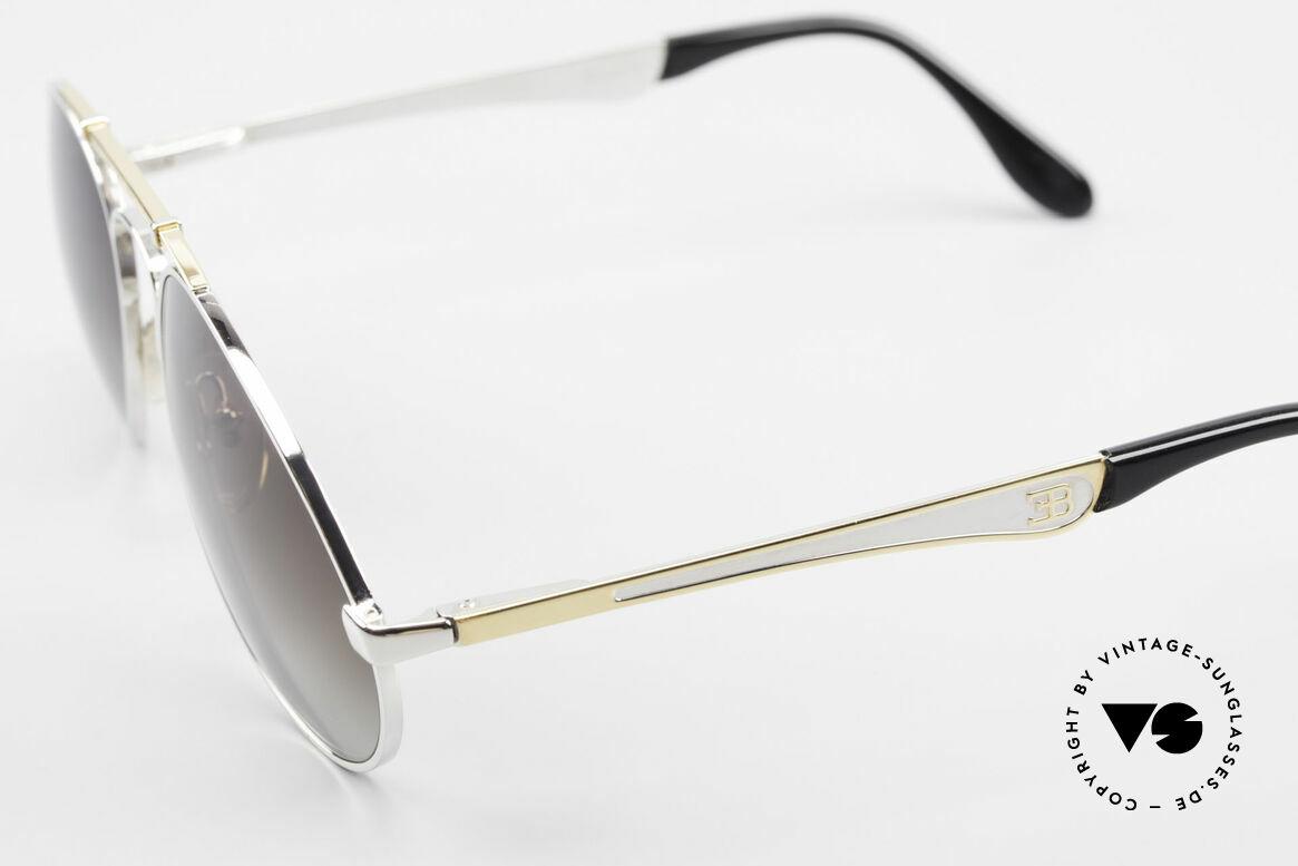 Bugatti 11909 80er Luxus Sonnenbrille Large, Rahmen silber/gold; Brücke wie eine Blattfeder, Passend für Herren