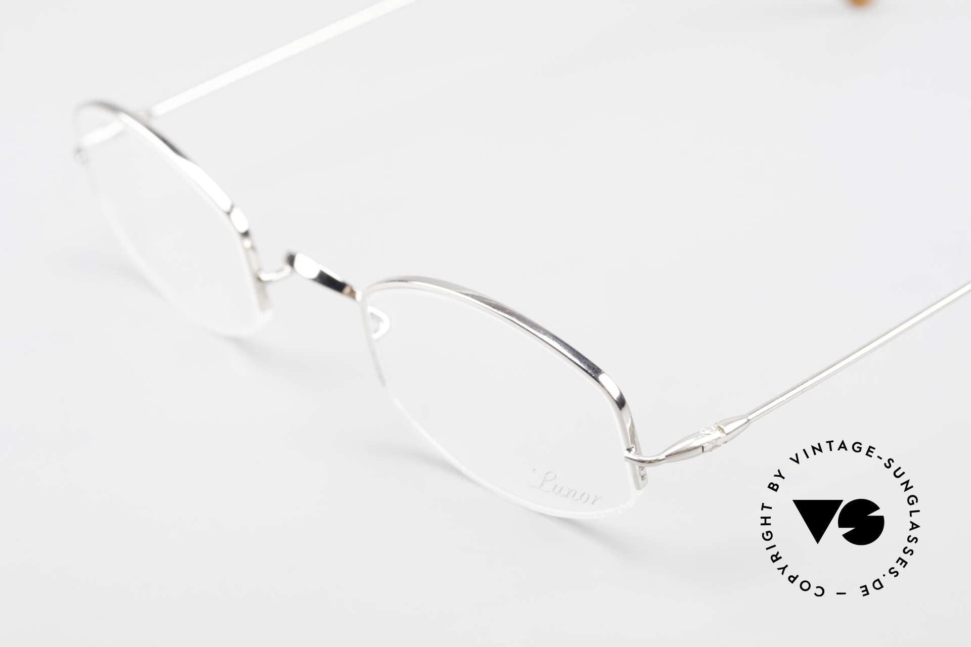 Lunor Classic Halb Randlose Vintage Brille, bekannt für den W-Steg und die schlichten Formen, Passend für Herren und Damen