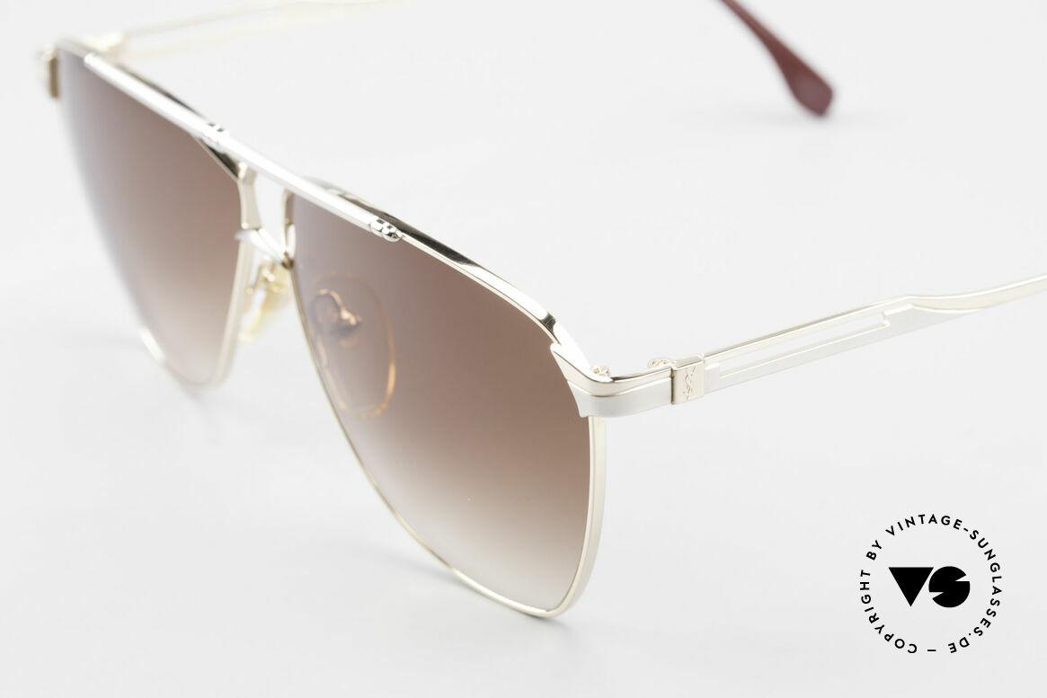 Yves Saint Laurent 8808 80er YSL Aviator Sonnenbrille, ungetragen (wie alle unsere YSL Designerbrillen), Passend für Herren