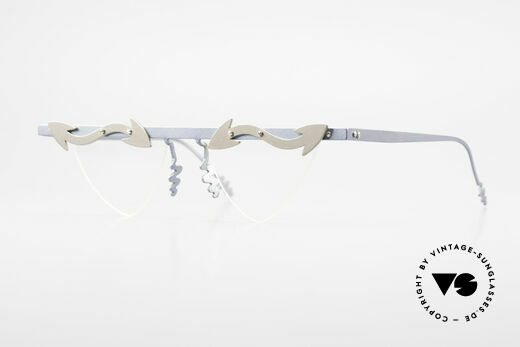 Theo Belgium Tita II B5 Herzförmige XL Brille Titan Details