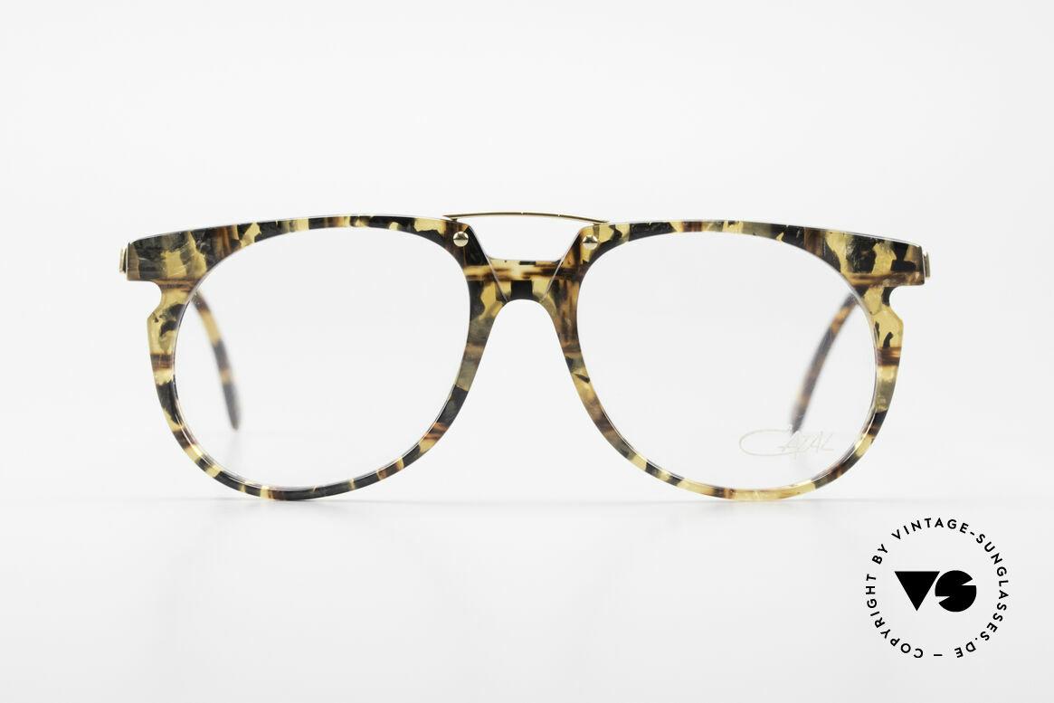 Cazal 645 Außergewöhnliche Vintage Brille, einzigartige Form: zeitlos & ebenso charakteristisch, Passend für Herren
