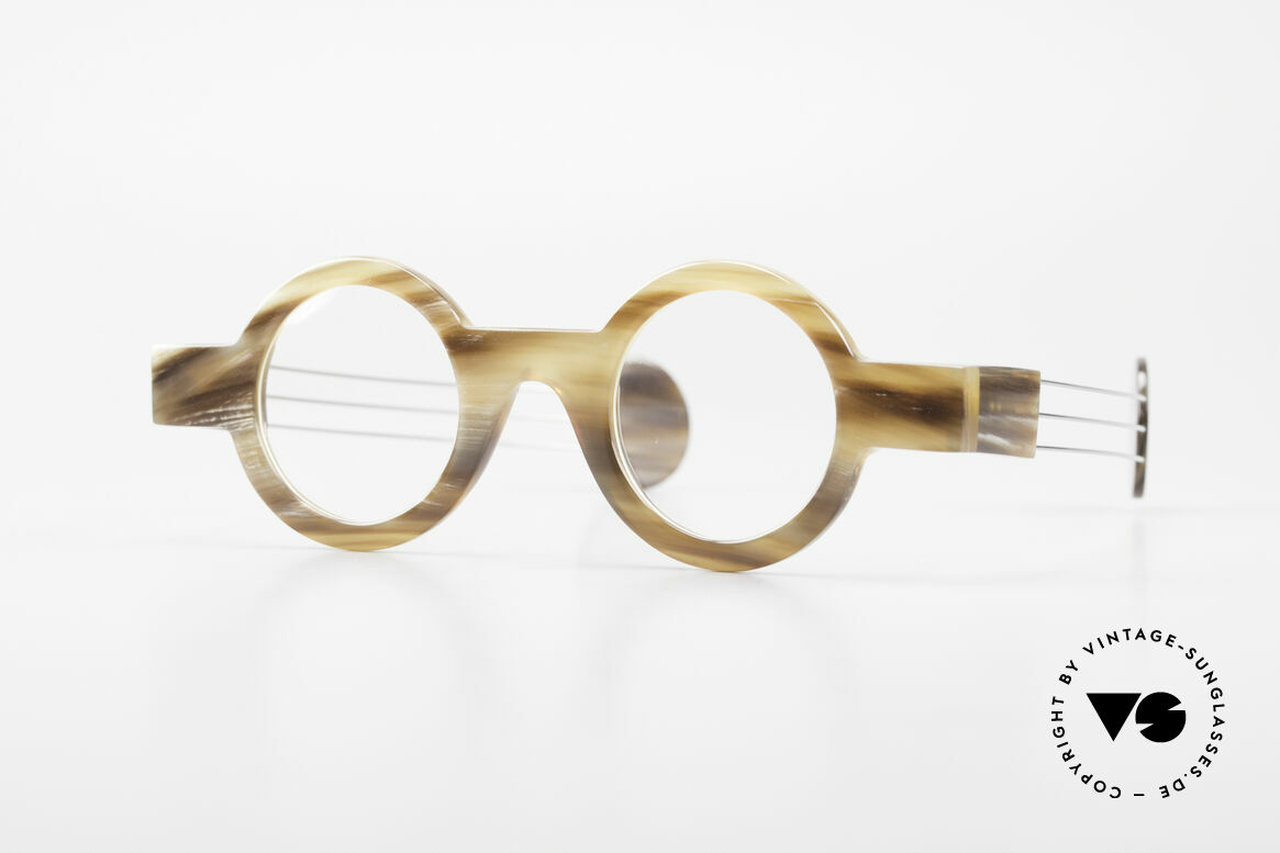 P. Klenk Bold 022 Runde Hornbrille Einzelstück, markante, runde Echthorn-Brillenfassung von P. Klenk, Passend für Herren und Damen