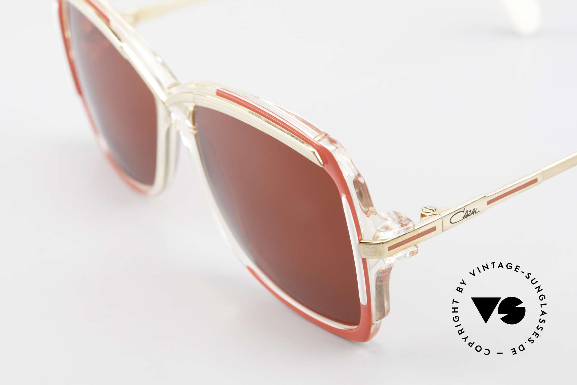 Cazal 177 3D Rot Designer Sonnenbrille, ungetragen (wie alle unsere vintage Cazal Brillen), Passend für Damen