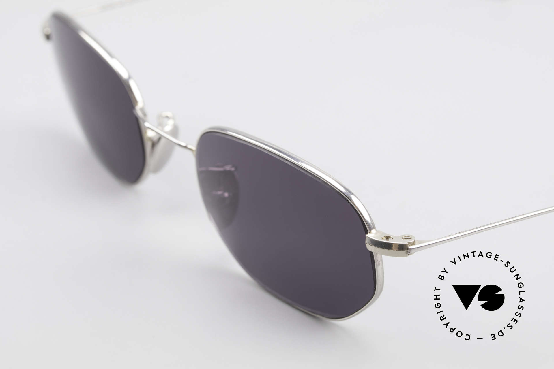 Cutler And Gross 0370 Klassische Sonnenbrille Unisex, außergewöhnliche Rahmenform = eine UNISEX Brille, Passend für Herren und Damen