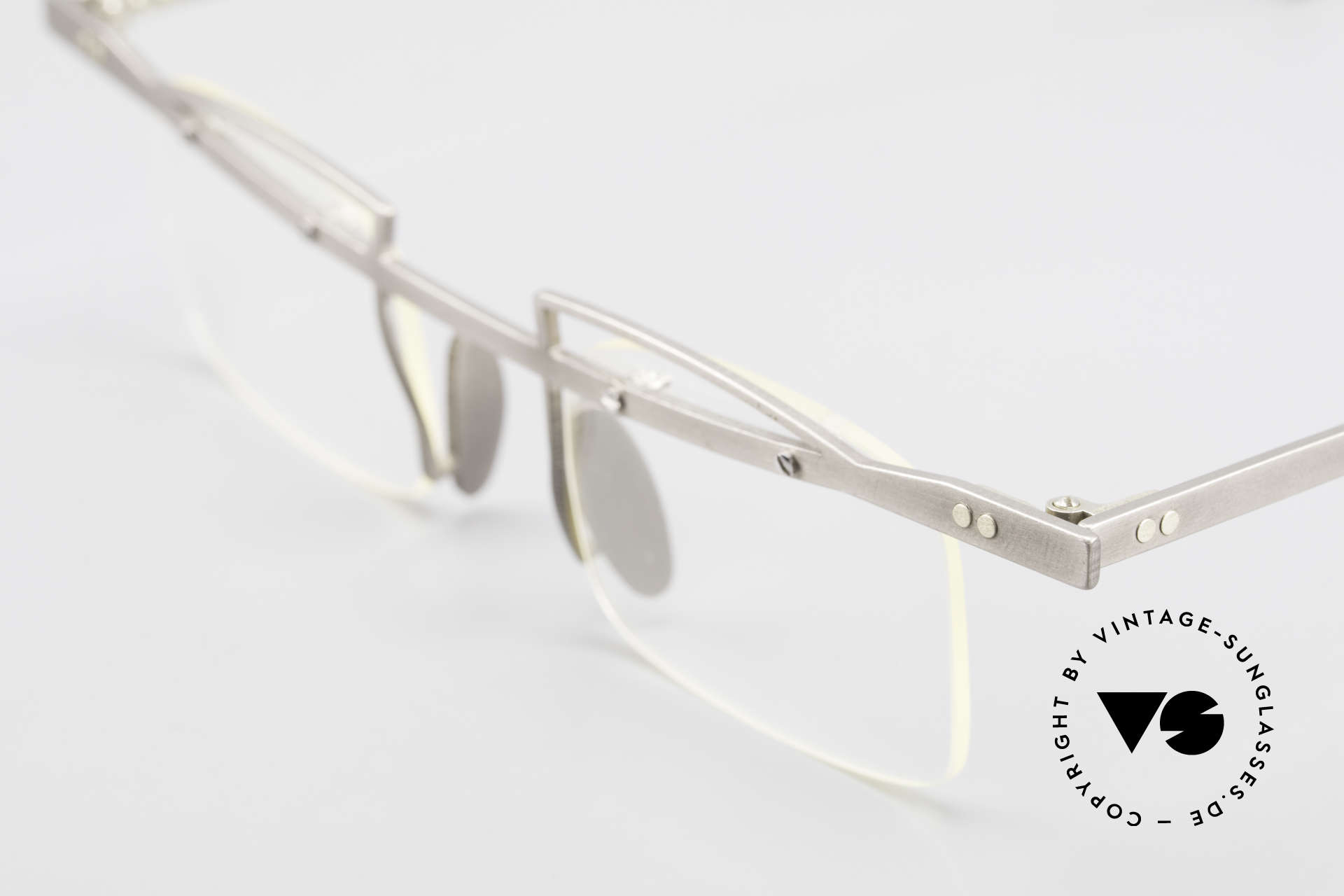 Rosenberger Franca Titan Brille Made in Bayern, Details nachzulesen auf der Rosenberger Homepage, Passend für Herren und Damen