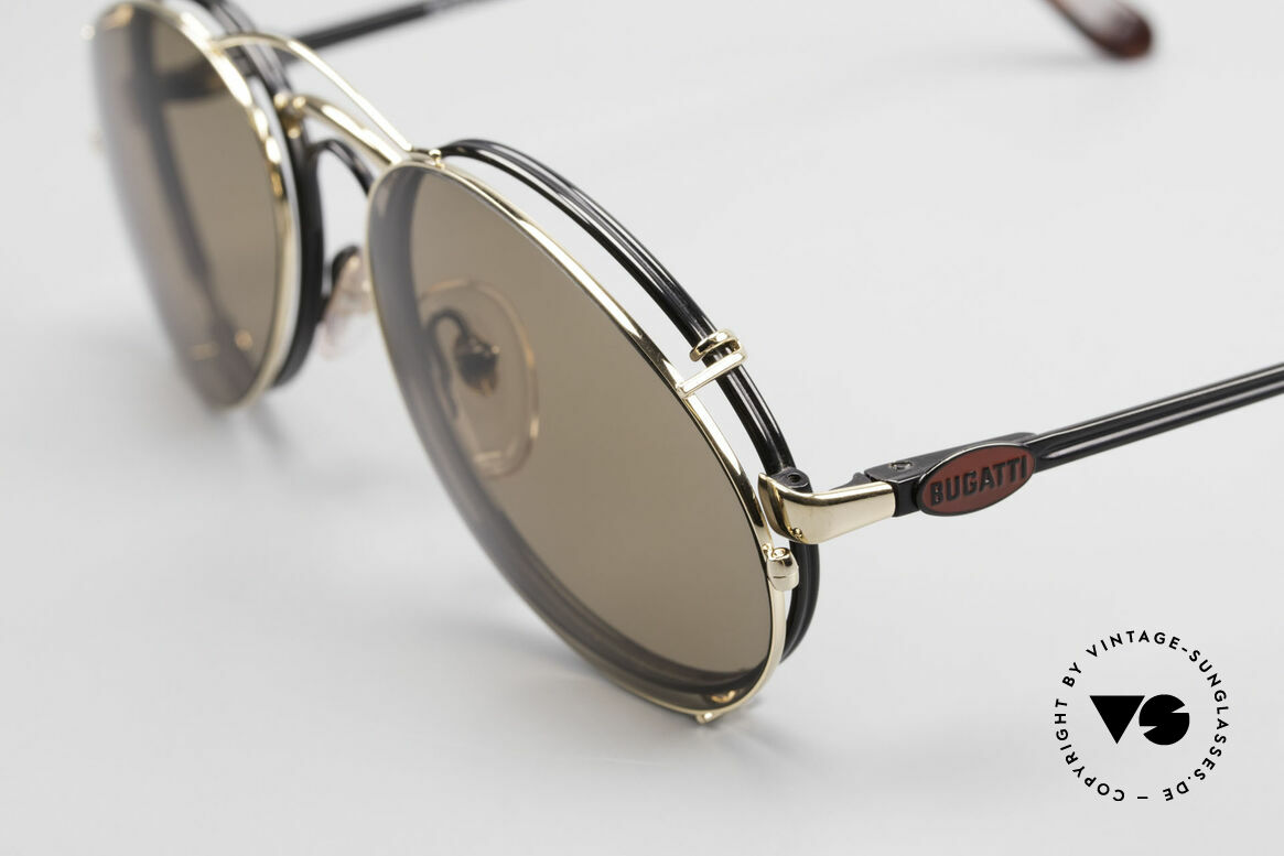 Bugatti 03326 80er Sonnenbrille Clip On Men, schwarze Fassung, rotes Logo, Clip in gold; sehr edel, Passend für Herren