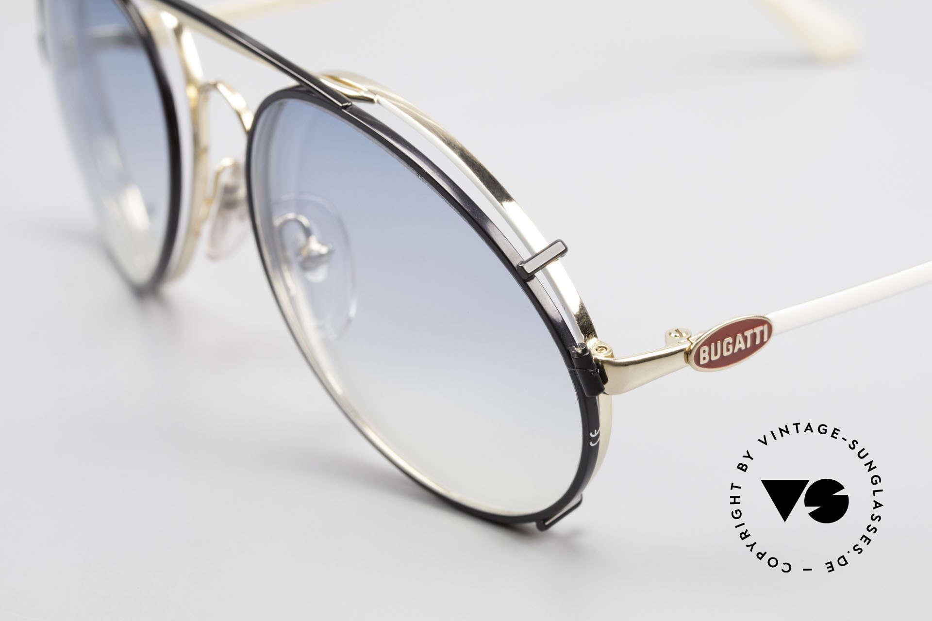 Bugatti 65987 Vintage Brille Mit Sonnenclip, Fassung vergoldet/weiss mit roten Logos, Gr. 54, Passend für Herren