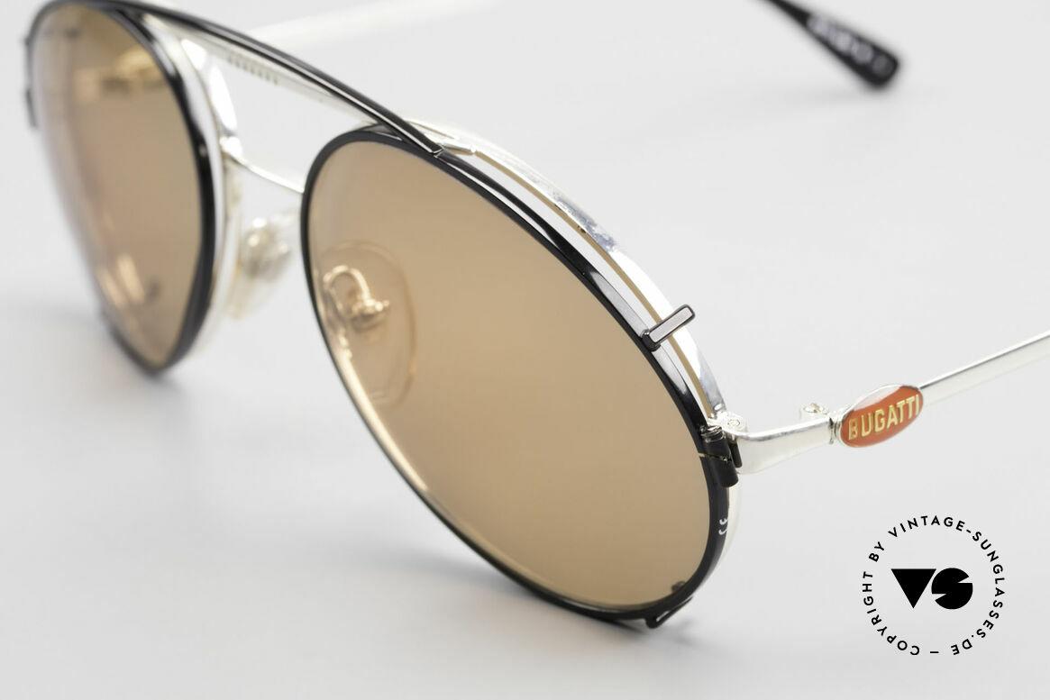 Bugatti 65996 Vintage Brille Mit Sonnenclip, silberne Fassung mit roten Bugatti Logos, Gr. 54, Passend für Herren
