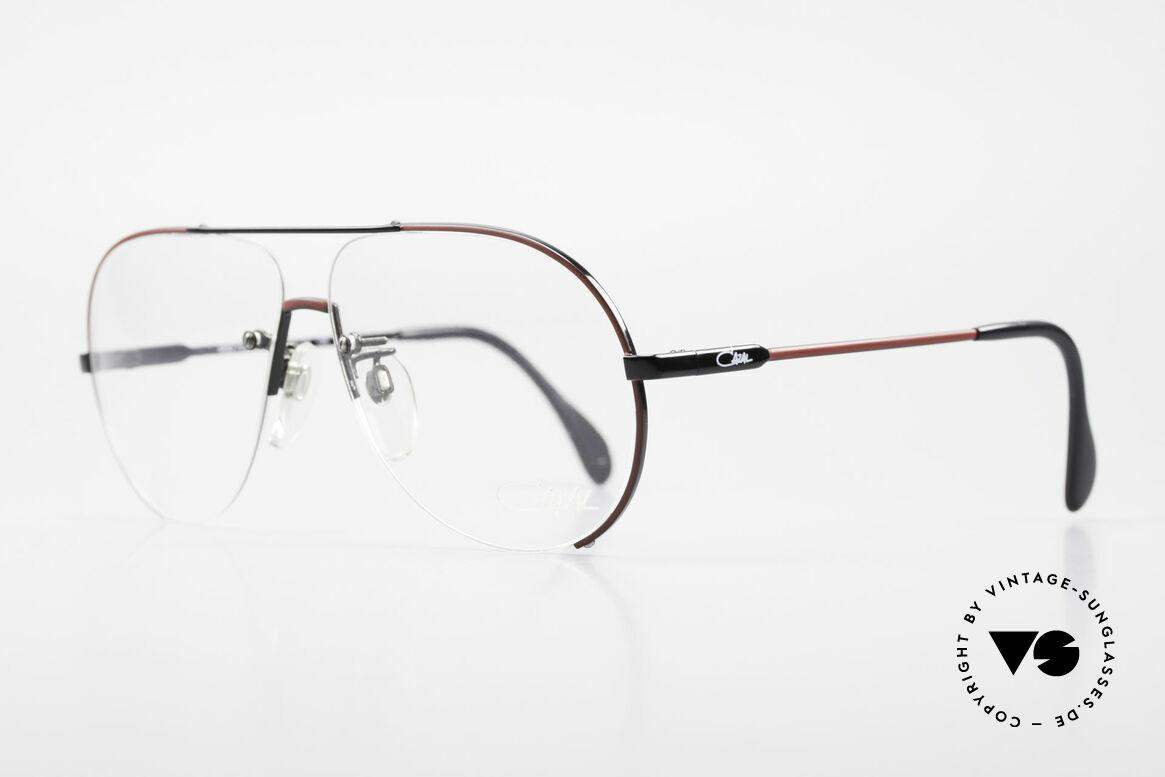 Cazal 723 Randlose 80er Pilotenbrille, eine halb-randlose Pilotenbrillenform sozusagen, Passend für Herren