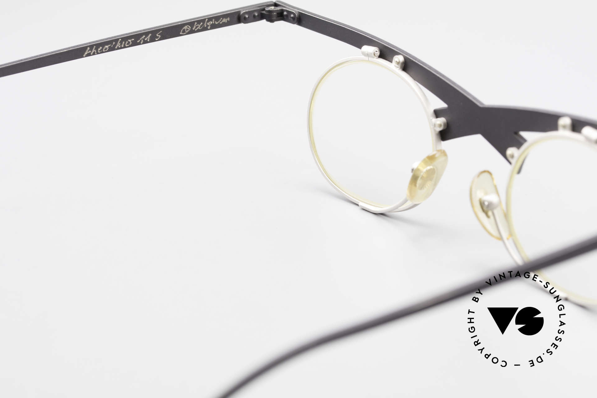 Theo Belgium Hio 11S Verrückte 90er Vintage Brille, sozusagen: eine Designer-Brille mit Symbol-Charakter, Passend für Herren und Damen