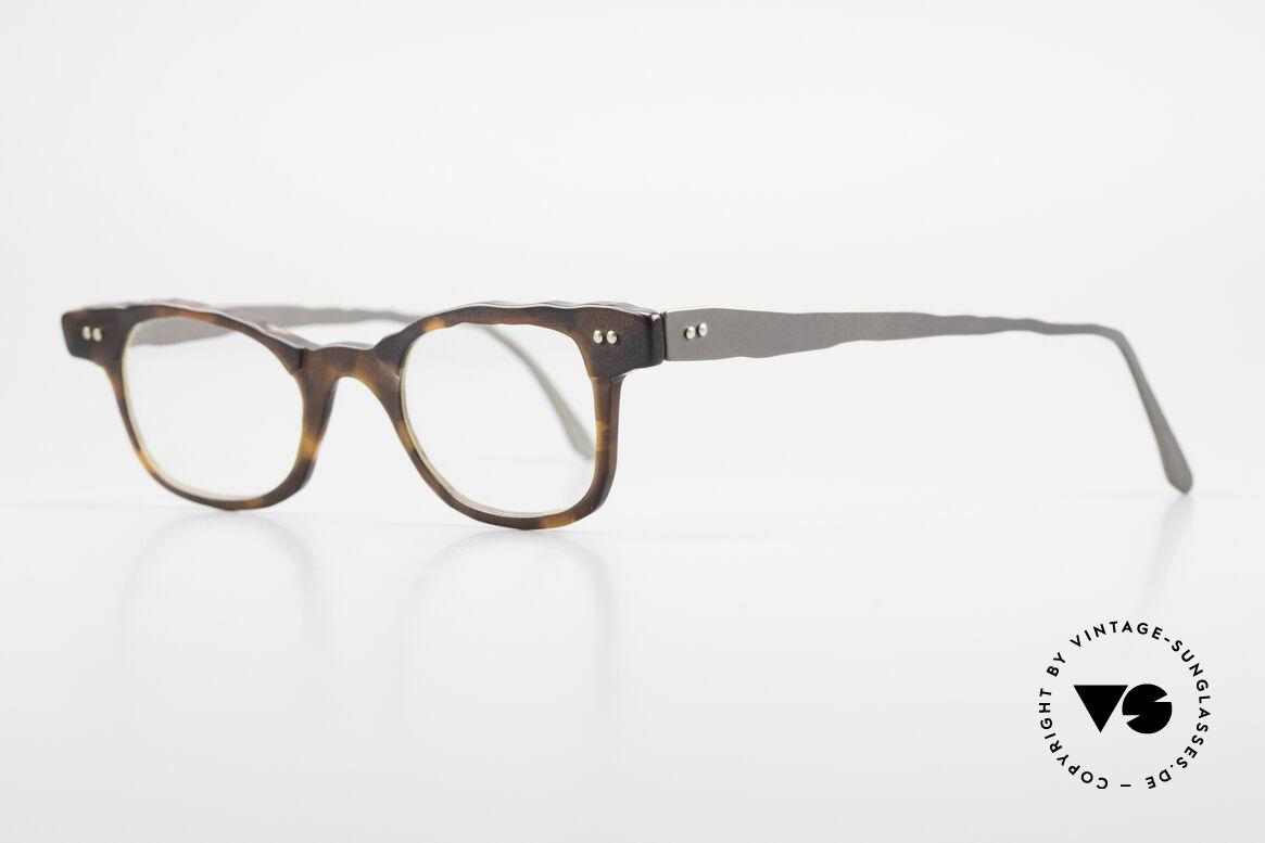 Theo Belgium Eye-Witness Avantgarde Titan Brille 90er, damals gemacht für die 'Avantgarde' und Individualisten, Passend für Herren und Damen