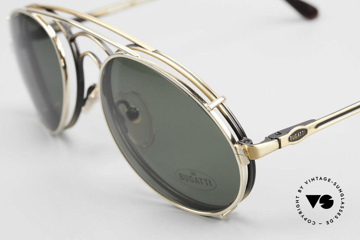 Bugatti 07823 Alte 80er Brille mit Vorhänger, Fasssung in antik-gold mit vergoldetem Sonnen-Clip, Passend für Herren