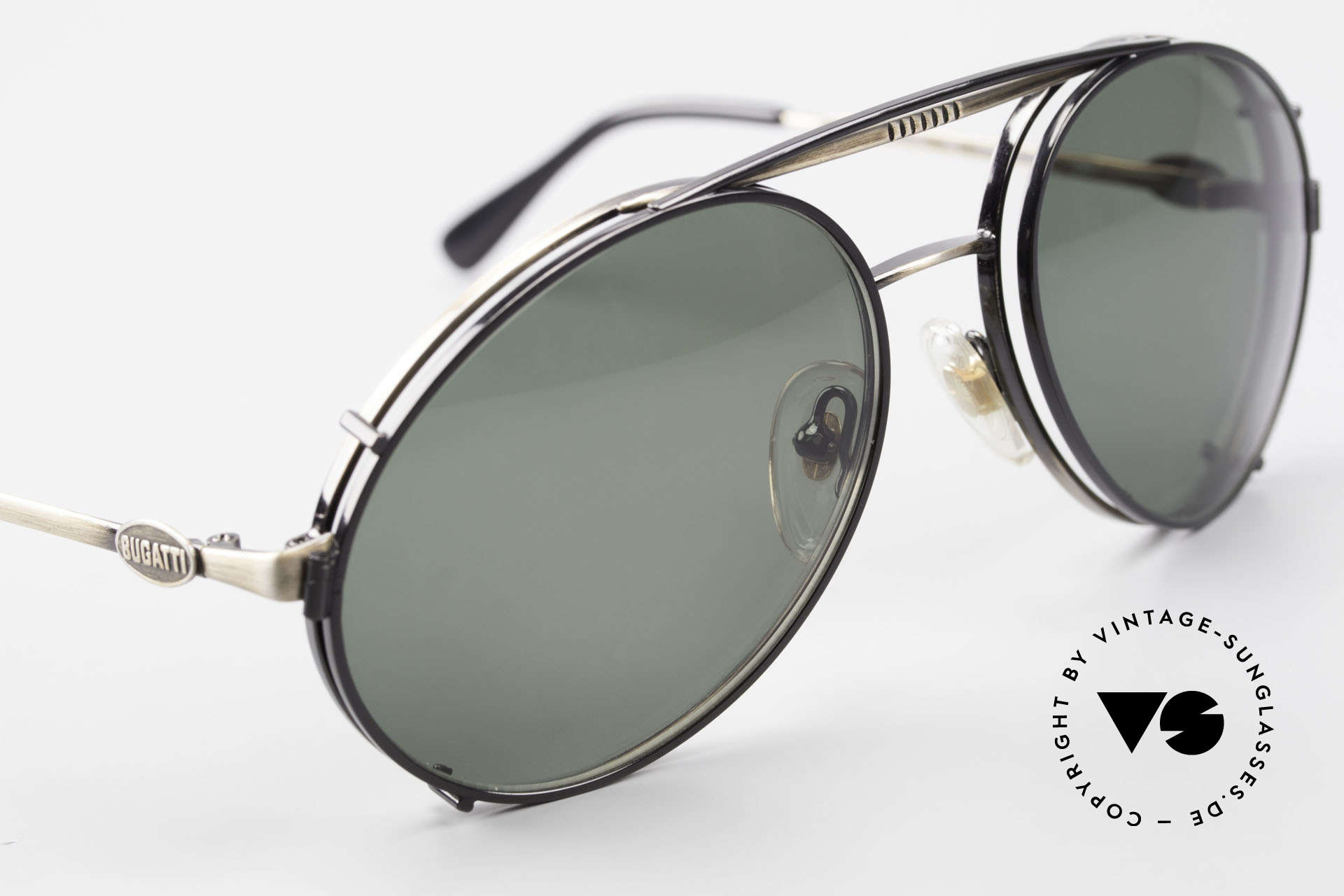 Bugatti 65282 Vintage Herren Brille 1980er, schwarzer SonnenClip mit dunkelgrünen Gläsern, Passend für Herren