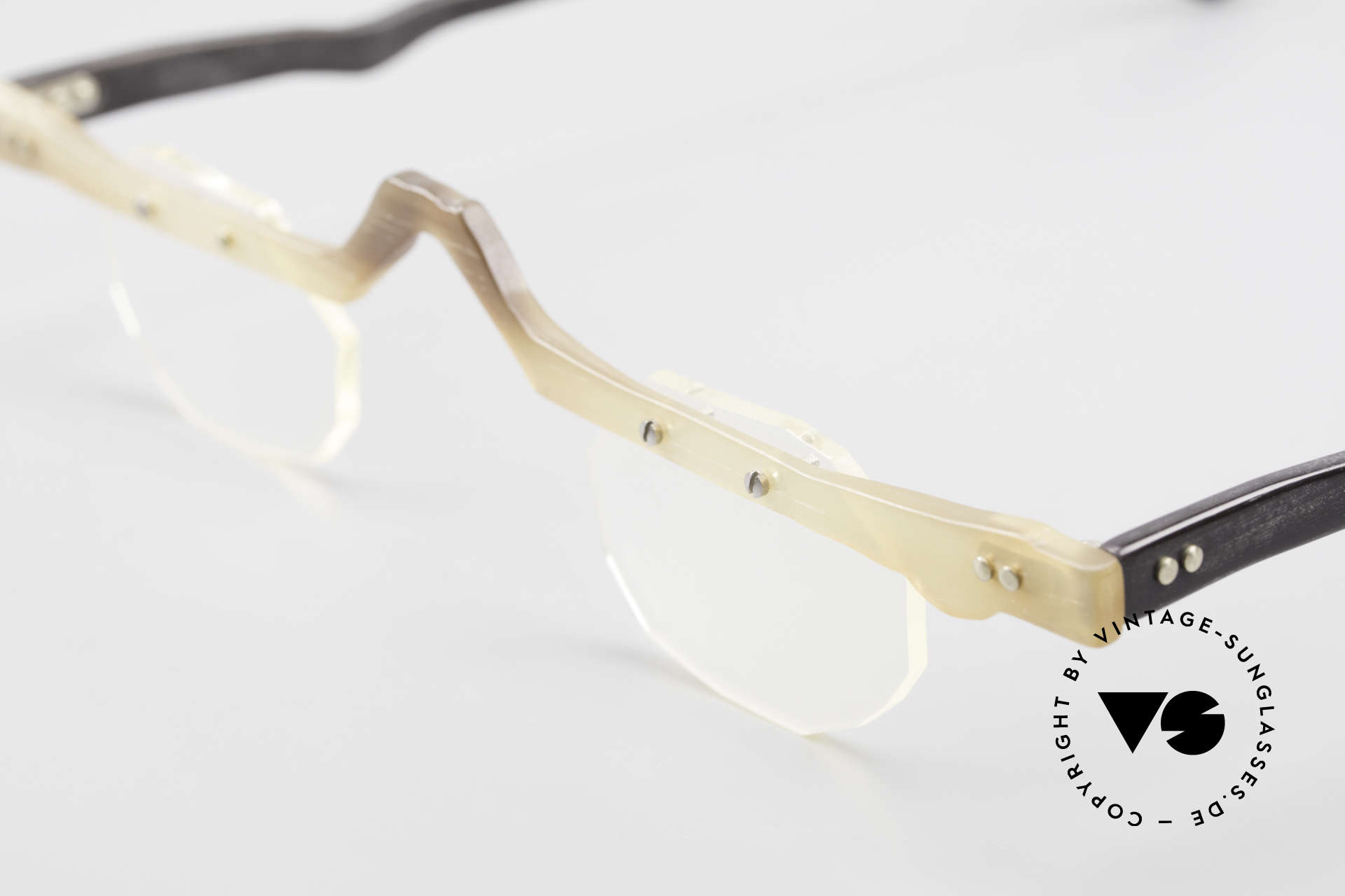 """Theo Belgium Eye-Witness ACR Avantgarde Brille aus Horn, Eye-Witness kam 1995 als """"unvollendet"""" & asymmetrisch, Passend für Herren und Damen"""