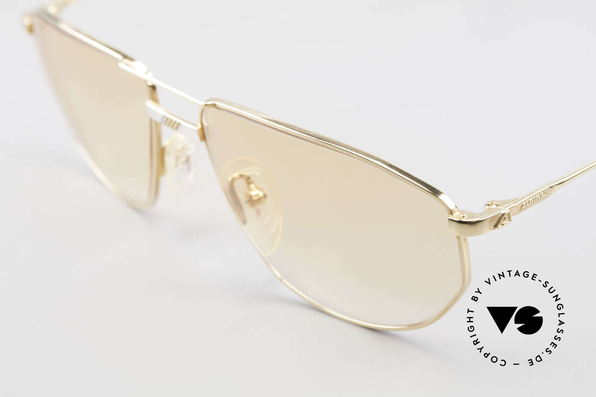 Alpina FM41 Stylische 80er Sonnenbrille, ungetragen (wie alle unsere alten Brillengestelle), Passend für Herren und Damen