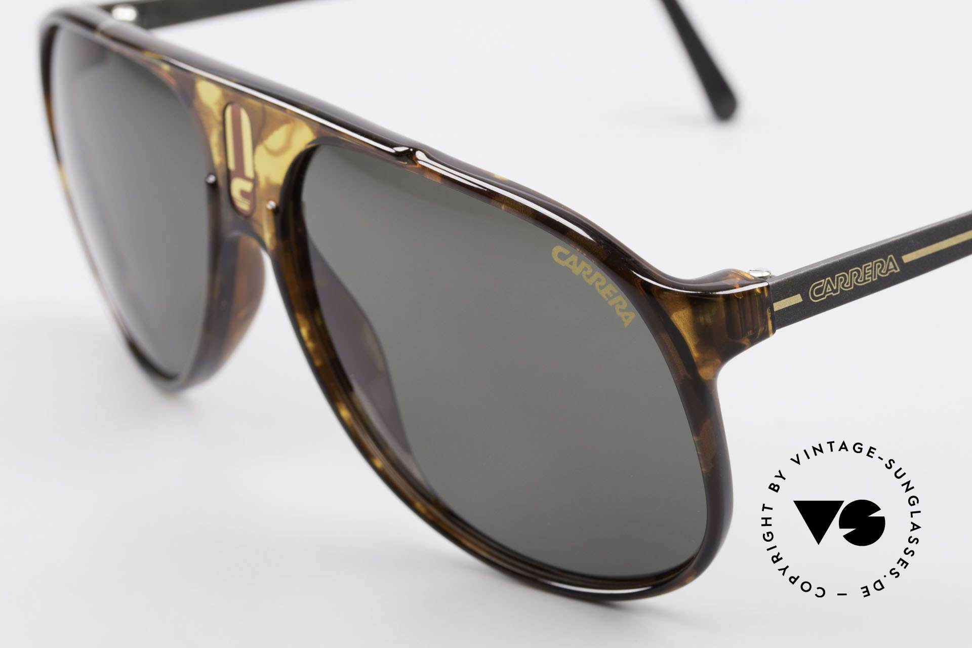 Carrera 5424 80er Aviator Sportsonnenbrille, funktional und stilvolle Lifestyle-Brille zugleich, Passend für Herren
