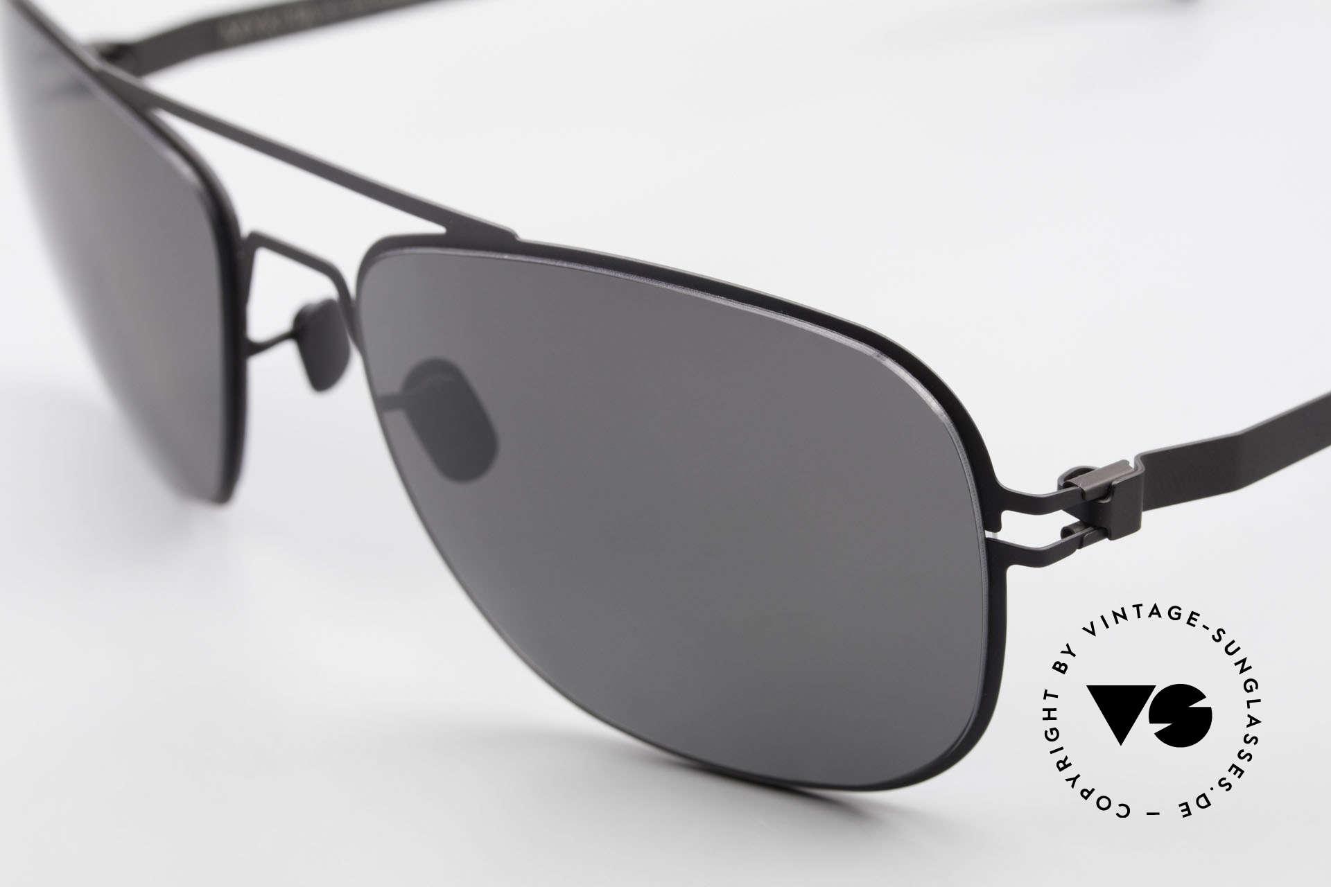 Mykita Howard Polarisierende Sonnenbrille, innovativ flexible Metallfassung: eine Größe passt allen, Passend für Herren und Damen