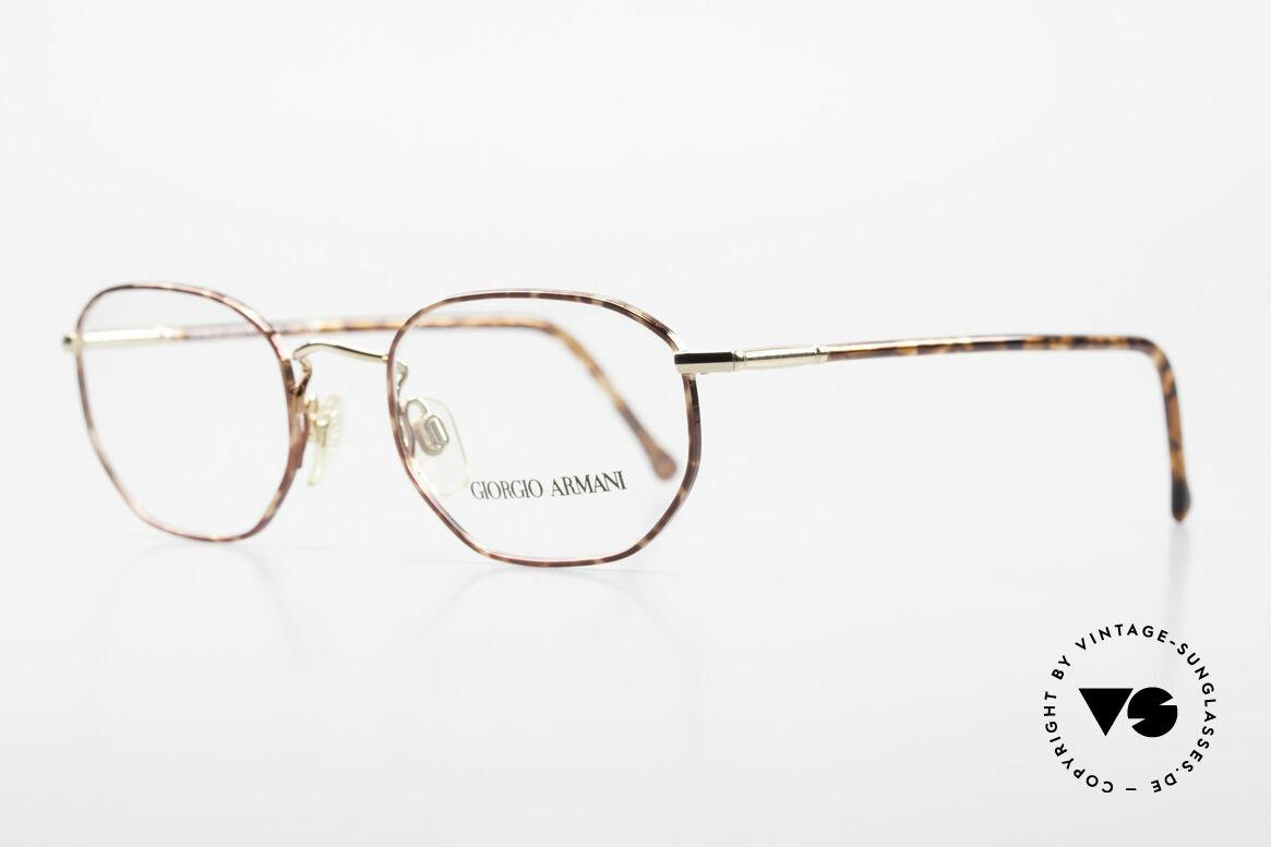 Giorgio Armani 187 Klassische 90er Herrenbrille, elegante Rahmenlackierung in kastanienbraun / gold, Passend für Herren