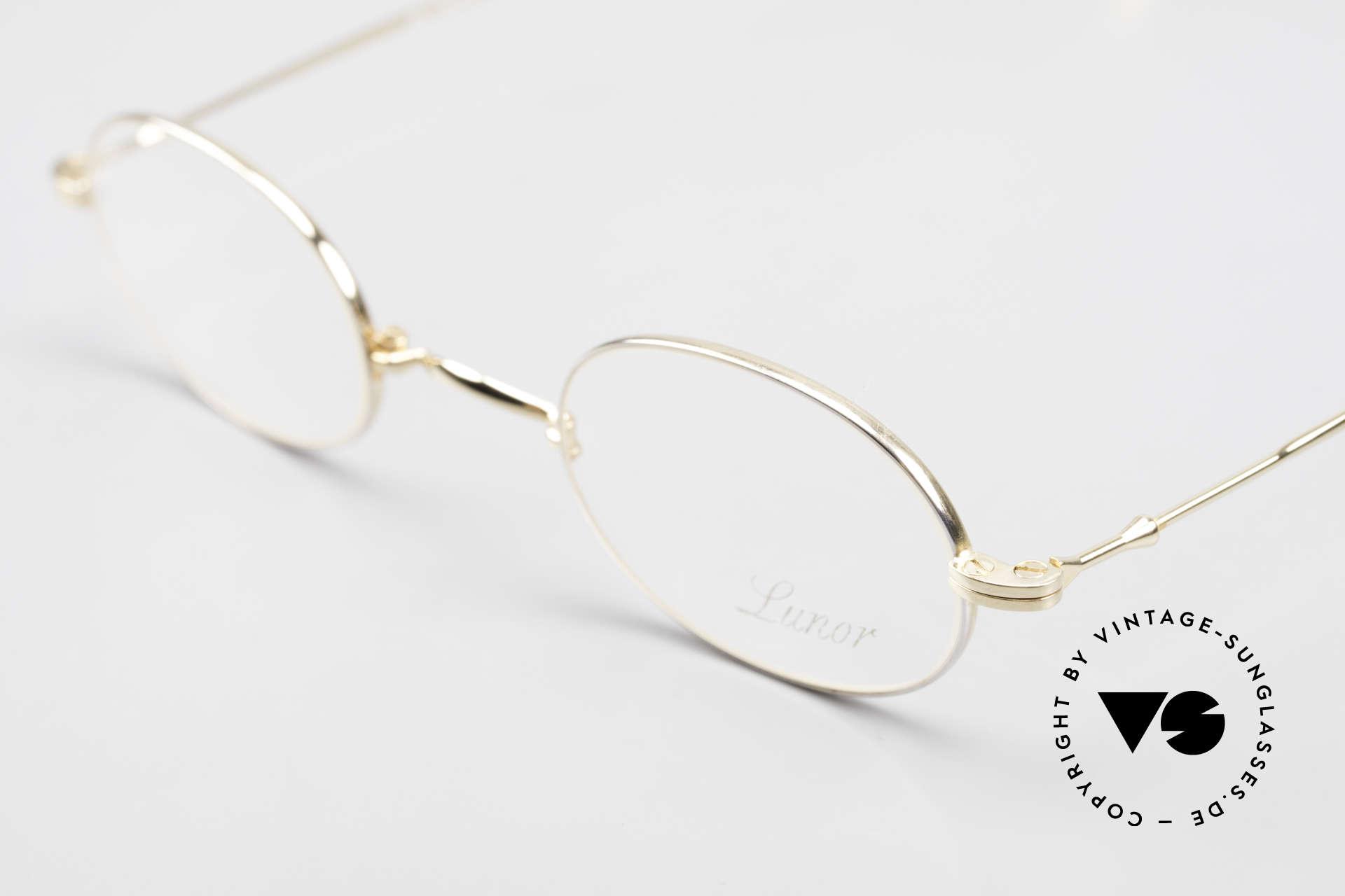 Lunor XXV Folding 04 Ovale Faltbrille Vergoldet, bekannt für den W-Steg und die schlichten Formen, Passend für Herren und Damen