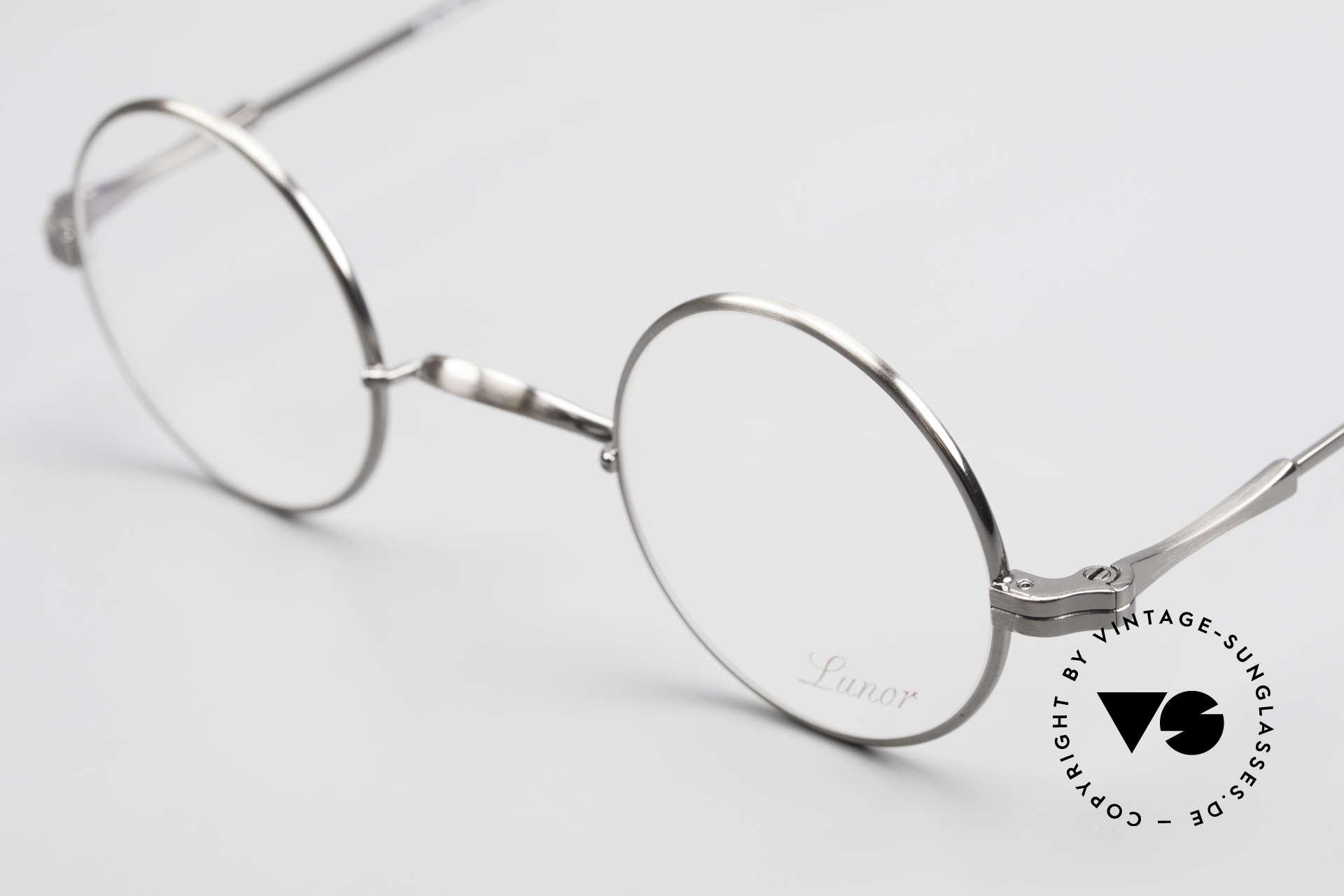 Lunor II 12 Kleine Runde Luxus Brille, bekannt für den W-Steg und die schlichten Formen, Passend für Herren und Damen
