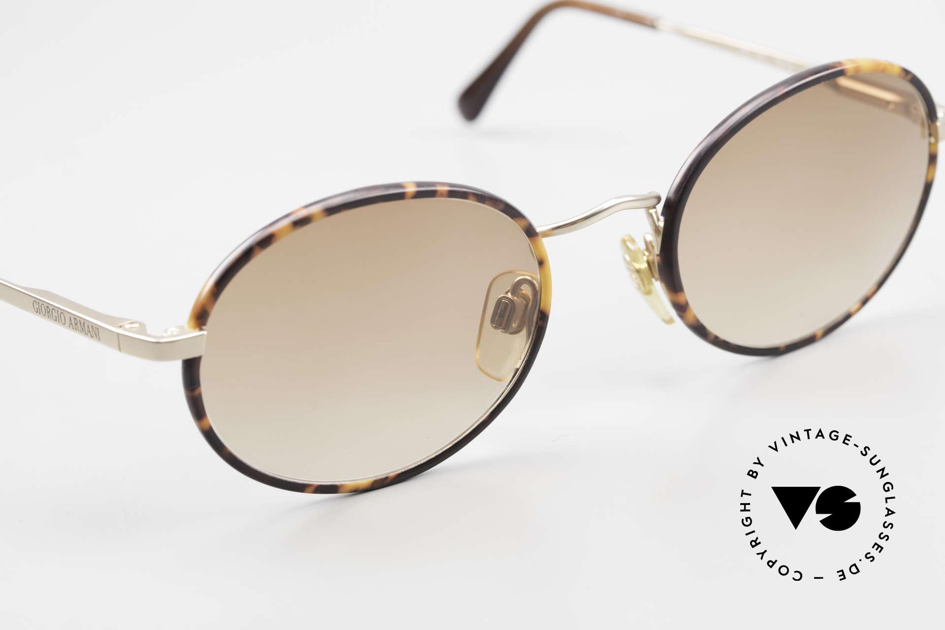 Giorgio Armani 235 Ovale Vintage Sonnenbrille, ungetragen (wie alle unsere 80er Jahre DesignKlassiker), Passend für Herren und Damen