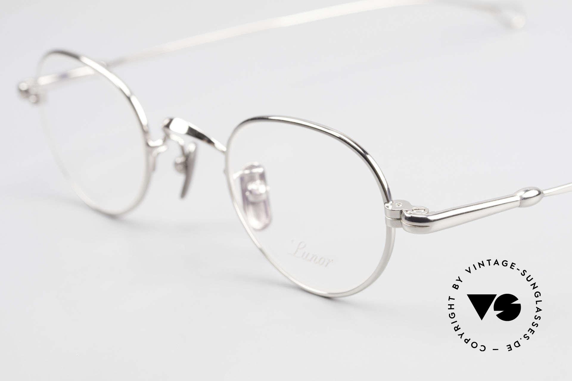 Lunor V 103 Zeitlose Lunor Brille Platin, aus der 2011er Kollektion in altbekannter Qualität, Passend für Herren und Damen