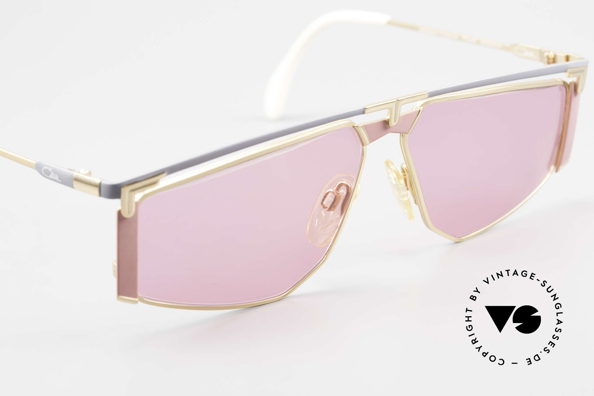 Cazal 235 Pinke Titanium Vintage Brille, ungetragen (wie alle unsere 90er vintage Titan-Brillen), Passend für Herren und Damen