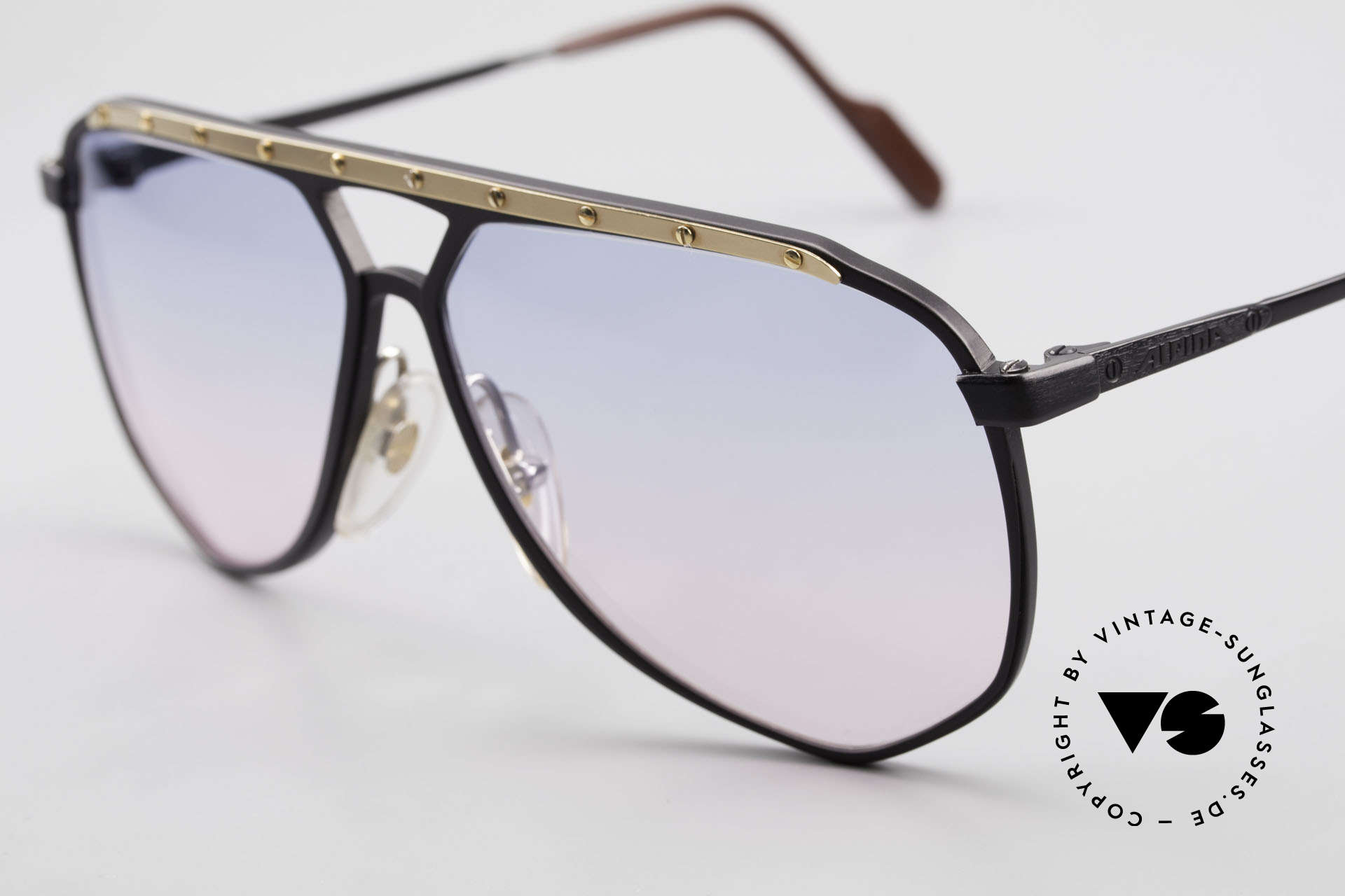 Alpina M1/4 Alte 80er Brille Baby-Blau Pink, ungetragen (wie alle unsere Alpina Sonnenbrillen), Passend für Herren