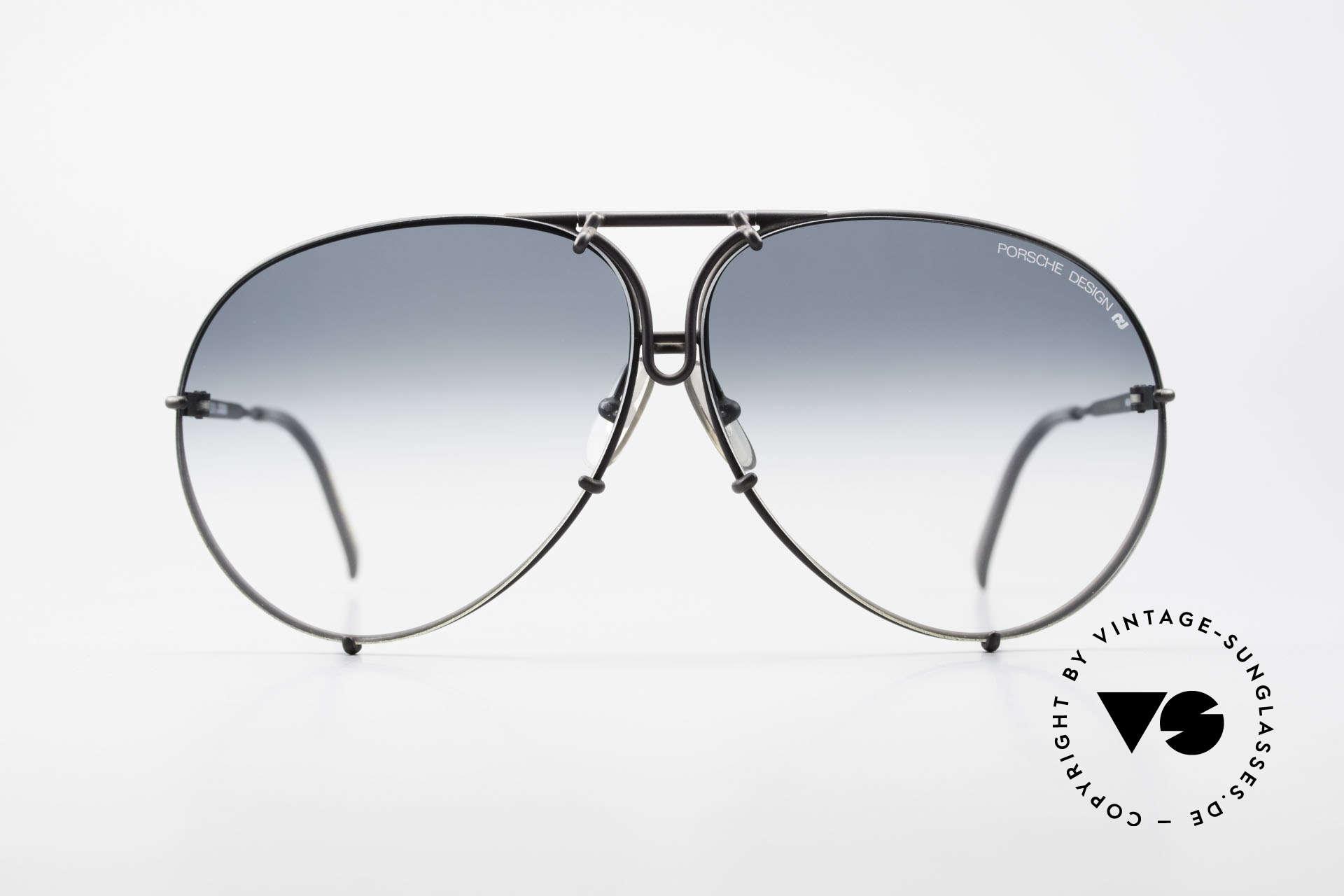 Porsche 5621 Alte 80er Aviator Sonnenbrille, ein echter Sonnenbrillen-Klassiker in mattschwarz, Passend für Herren