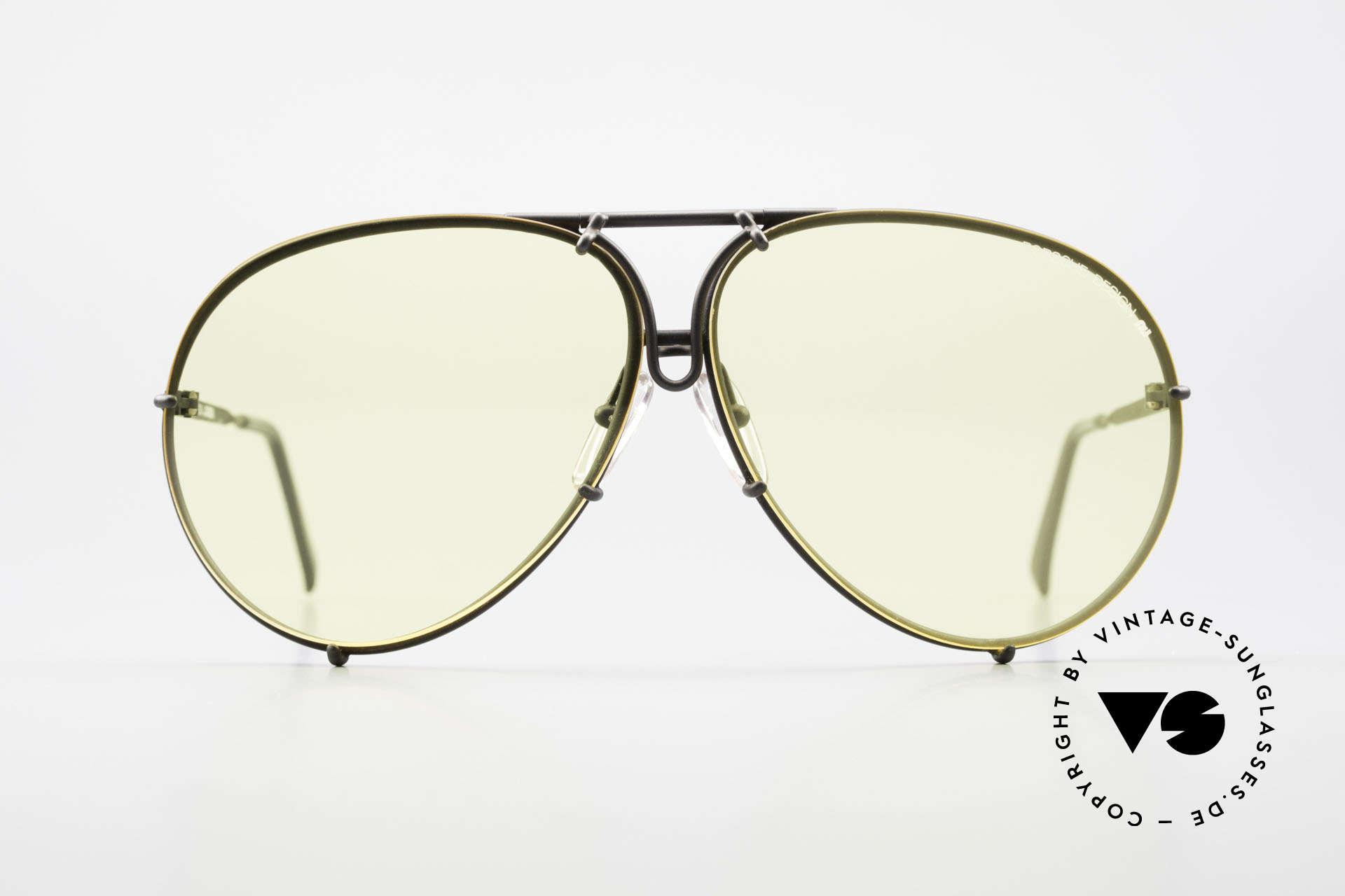 Porsche 5621 Gelbe Gläser Kalichrome 80er, ein echter Sonnenbrillen-Klassiker in mattschwarz, Passend für Herren