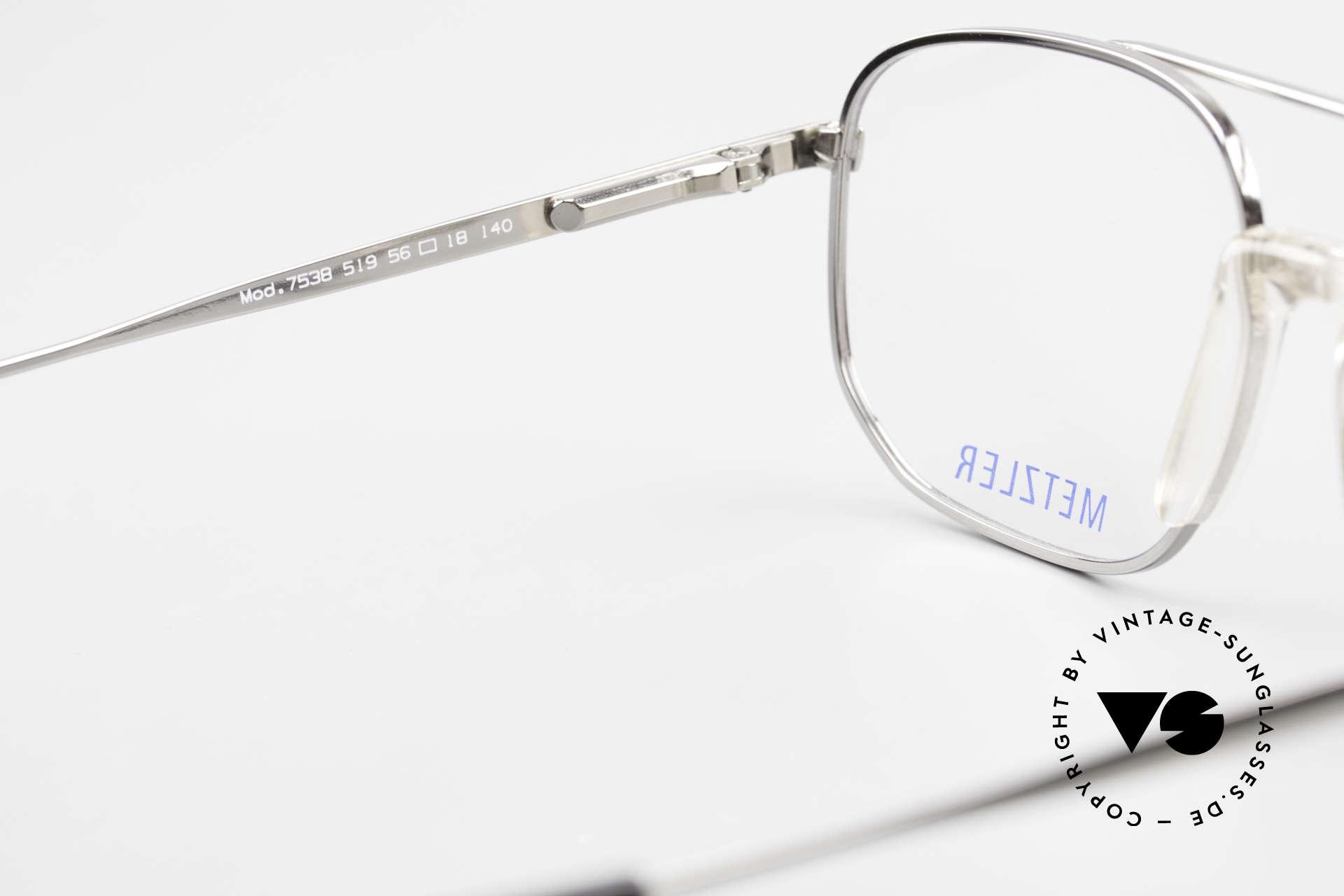 Metzler 7538 90er Metallbrille Mit Sattelsteg, subtiles Grau-Muster am Oberrand der Fassung, Passend für Herren