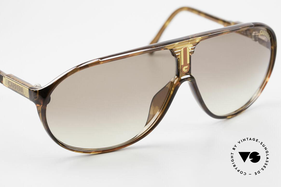 Carrera 5412 Optyl Sonnenbrille 80er Sport, grün C-VISION 400; grau-Verlauf sowie braun-Verlauf, Passend für Herren und Damen