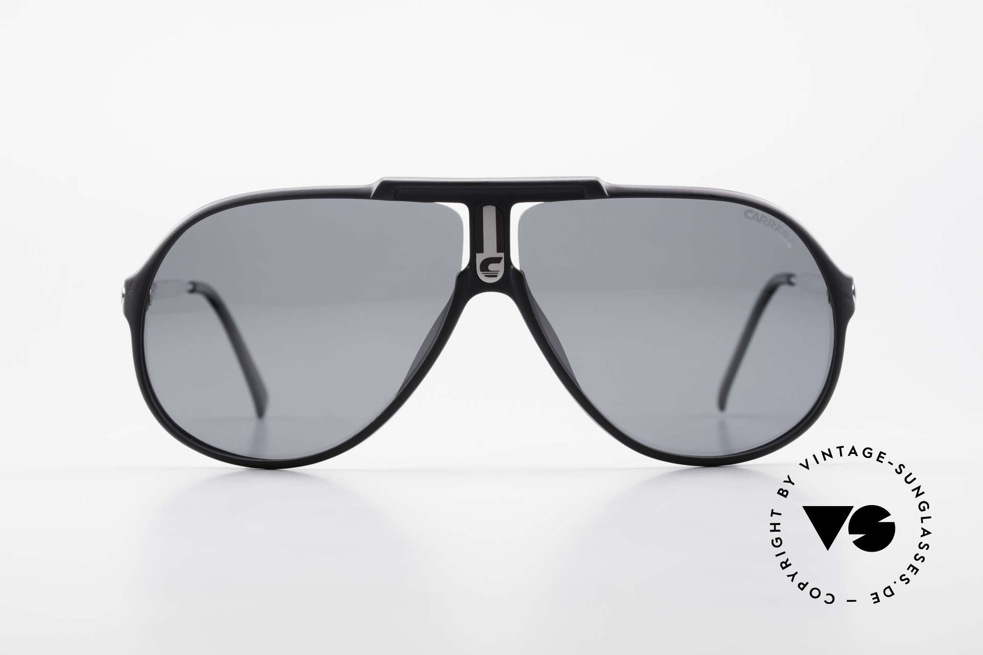 Carrera 5590 80er 90er Brille Polarisierend, POLARISIERENDE Gläser in grau; 100% UV protection, Passend für Herren