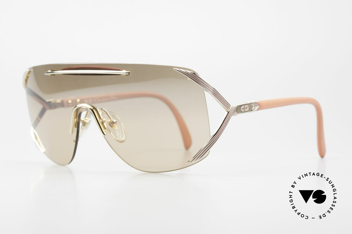 Christian Dior 2434 Leicht Pink Verspiegelte Brille, edel, dank der leicht pink-verspiegelten Scheibe, Passend für Damen