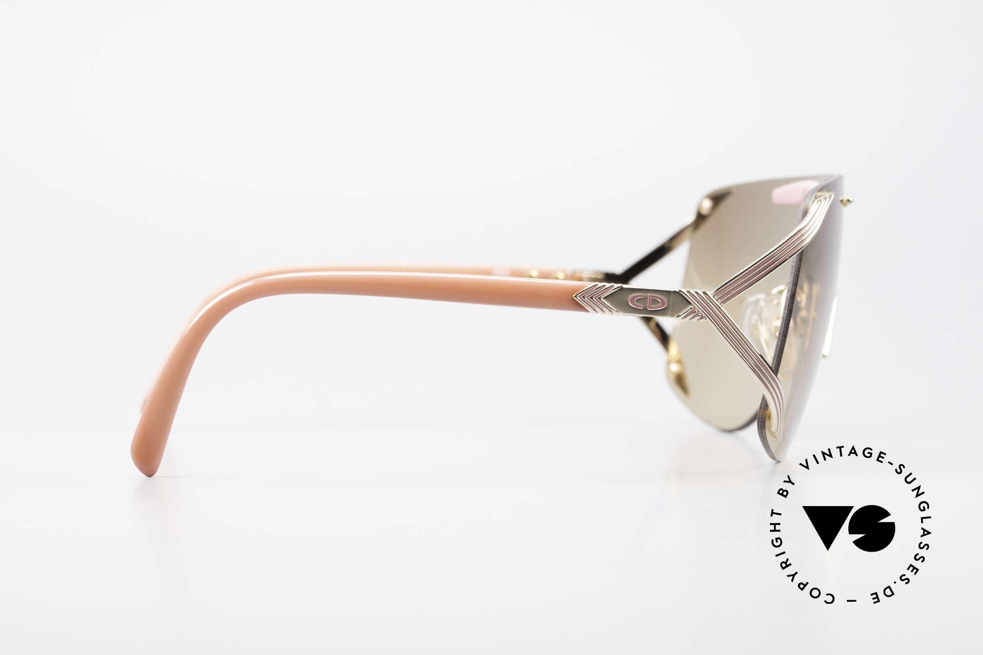 Christian Dior 2434 Leicht Pink Verspiegelte Brille, u.a. getragen von Rihanna (Fotos dazu auf Google), Passend für Damen