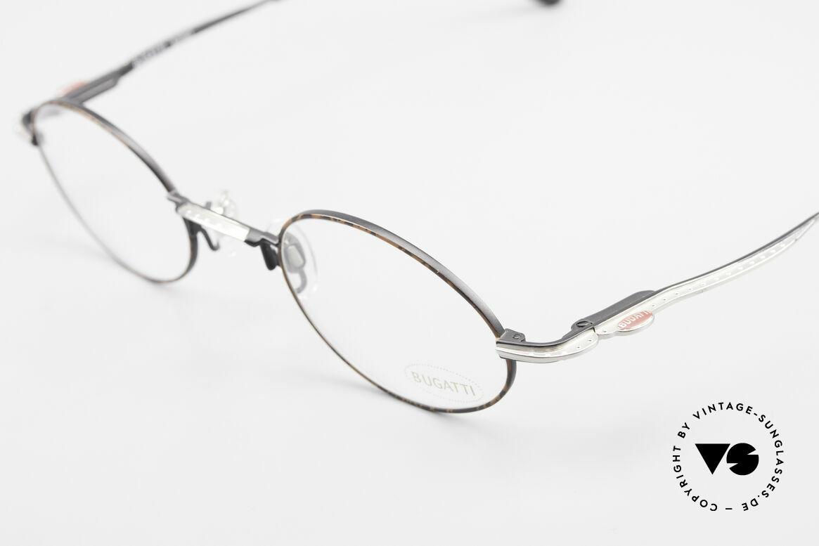 Bugatti 23191 Ovale Luxus Brillenfassung, zudem Federgelenke für eine optimale Passform, Passend für Herren