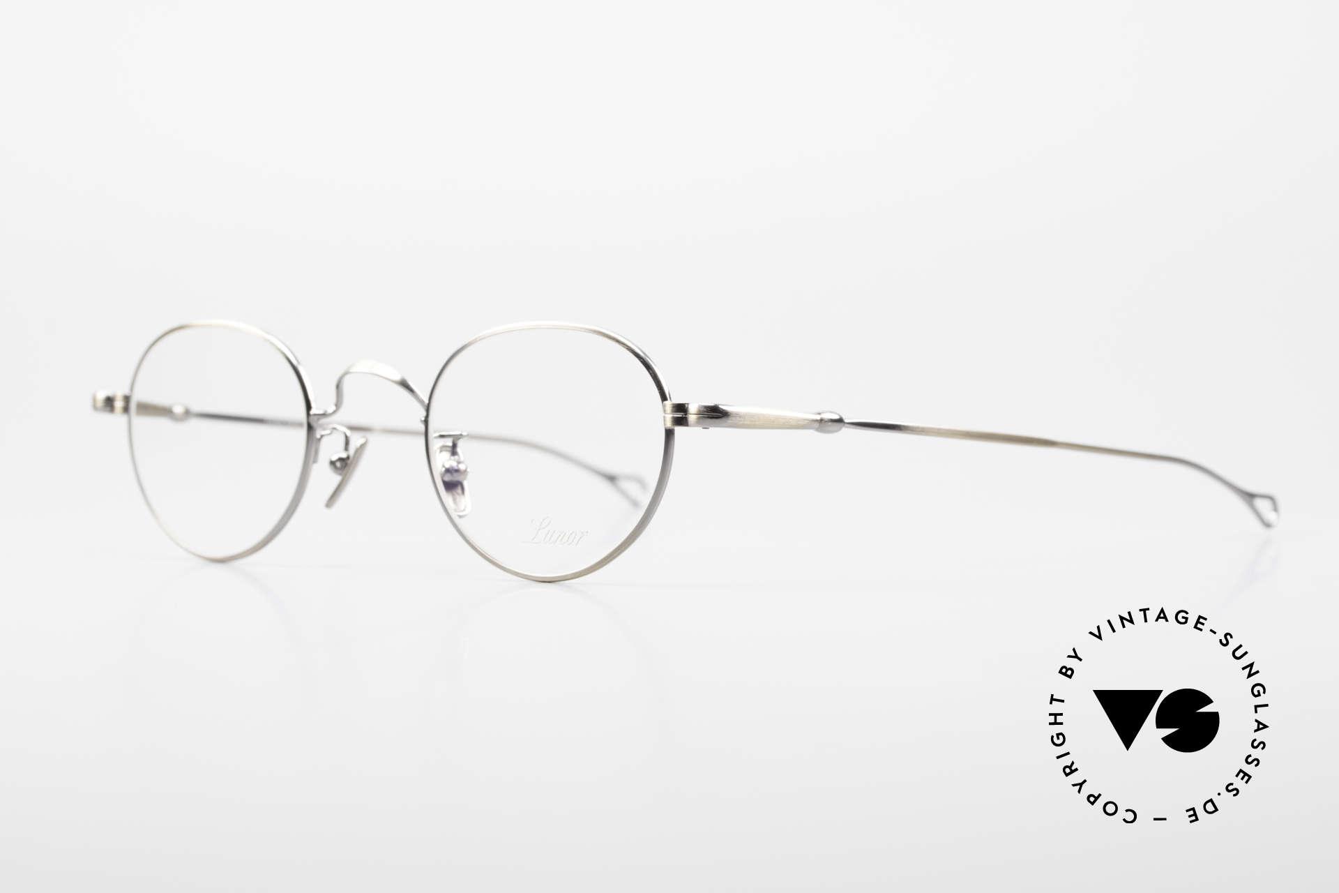 Lunor V 107 Runde Panto Brille Antik Gold, ohne große Logos; stattdessen mit zeitloser Eleganz, Passend für Herren und Damen