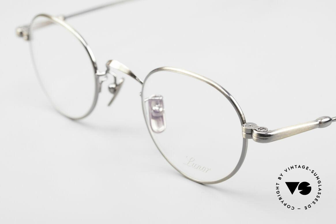 Lunor V 107 Runde Panto Brille Antik Gold, V 107: Edelstahl-Fassung im klassischen Panto-Stil, Passend für Herren und Damen