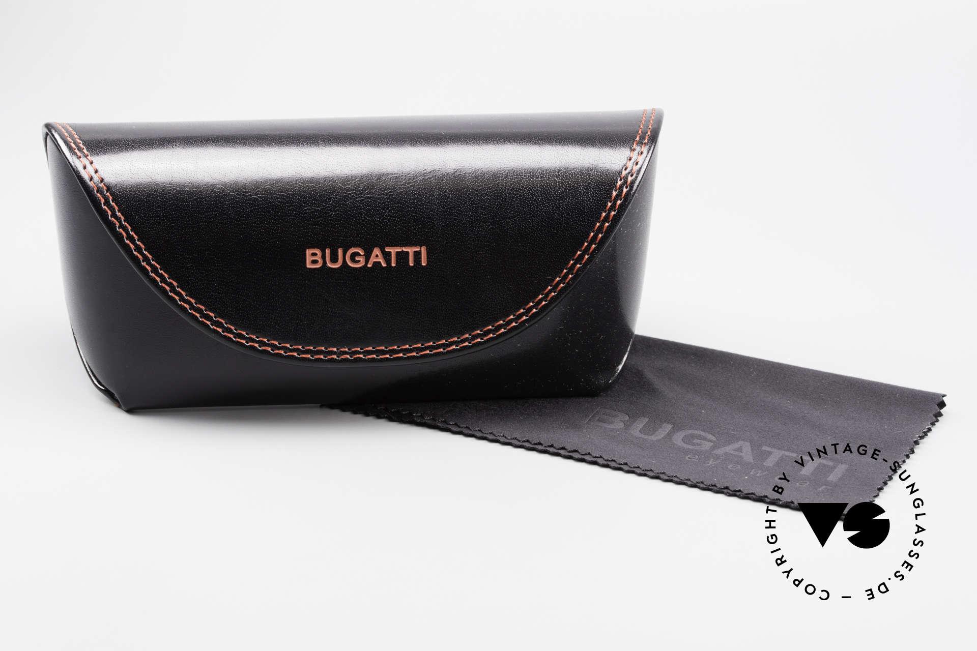 Bugatti 368 Odotype Sportliche Herren Sonnenbrille, rechtes Glas hat einen Mini-Kratzer am Rand, Passend für Herren