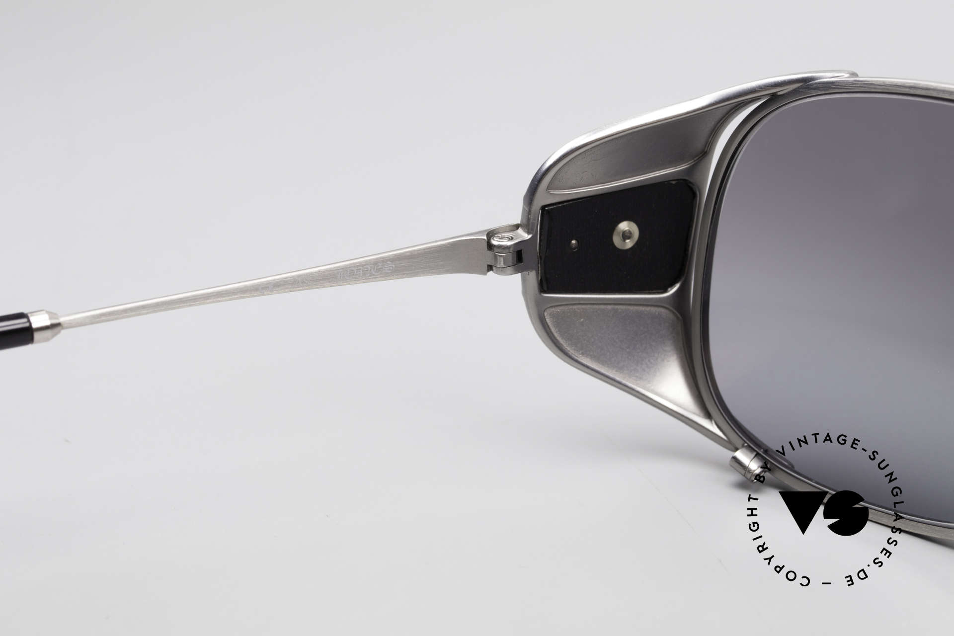 Chrome Hearts Jones Luxus Sonnenbrille Für Kenner, leicht verspiegelte Sonnengläser (100% UV prot.), Passend für Herren