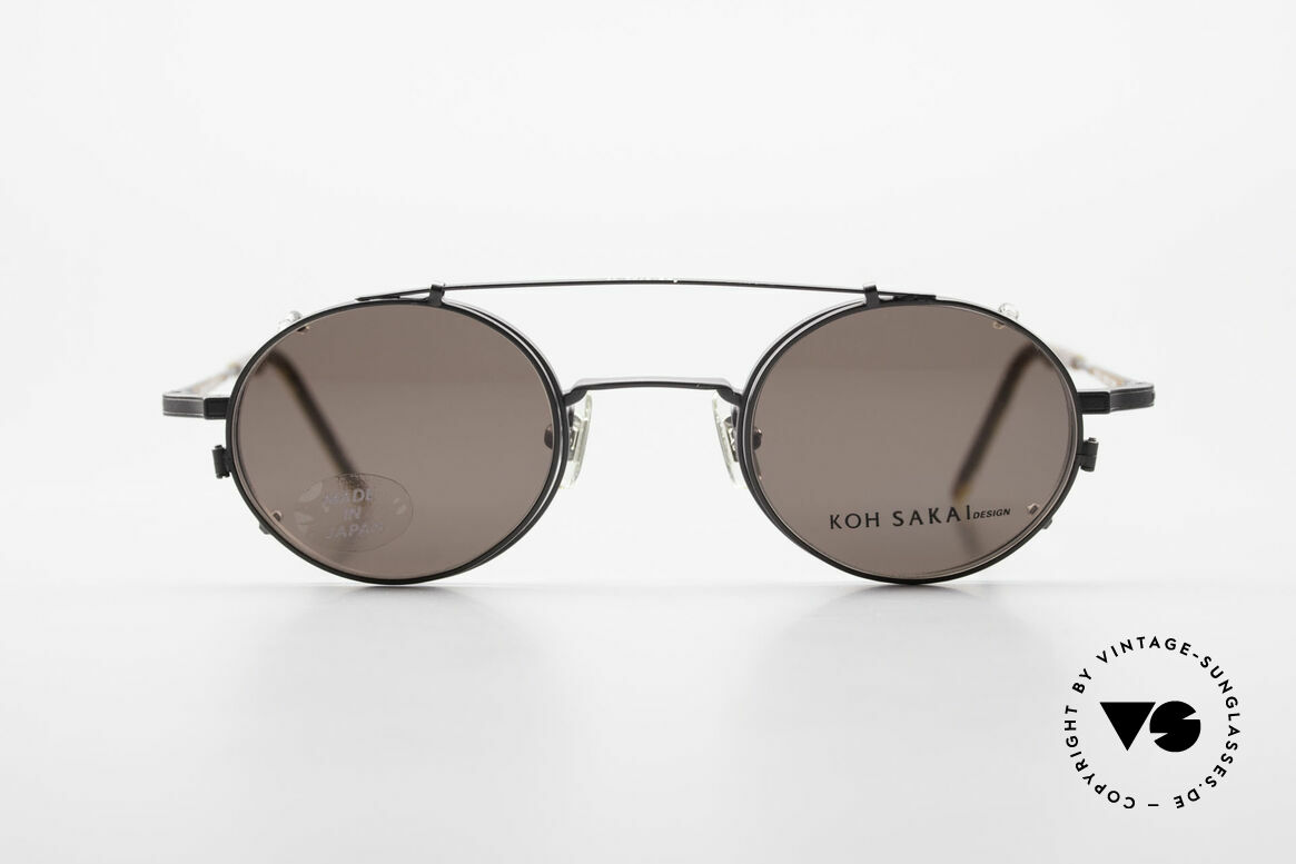 Koh Sakai KS9700 Runde Brille mit Sonnen-Clip, Größe 44-21 mit praktischem Sonnen-Clip / Vorhänger, Passend für Herren und Damen